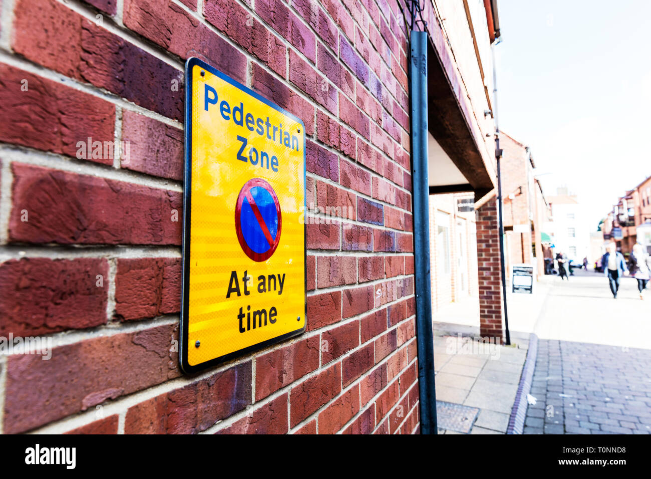 Pedestrian Zone sign, No parking sign, Pedestrian Zone parking sign, Pedestrian Zone parking restriction, UK road sign, road signs, parking sign, UK - Stock Image