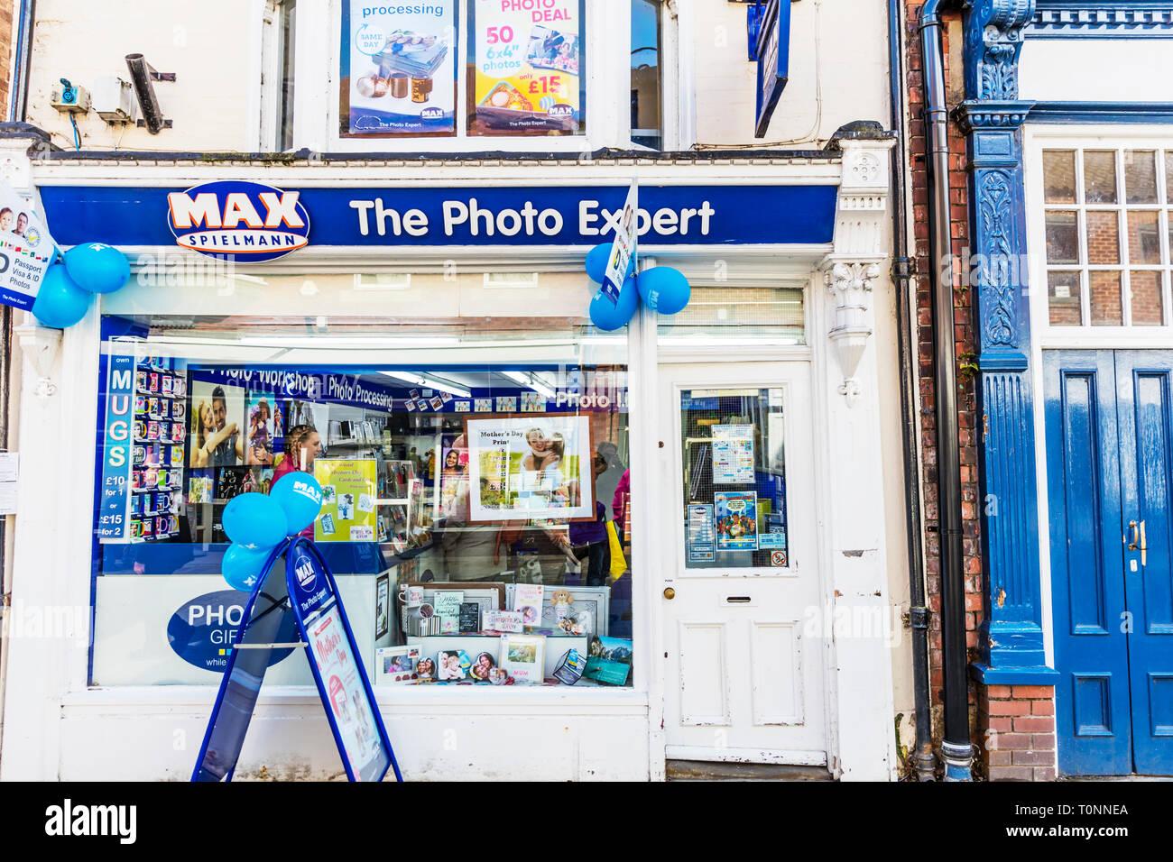 Max Spielmann,  max spielmann Shop, Max Spielmann store, Photo shop, Photo processing, Max Spielmann high street store, Max Spielmanns, UK, shop, sign Stock Photo