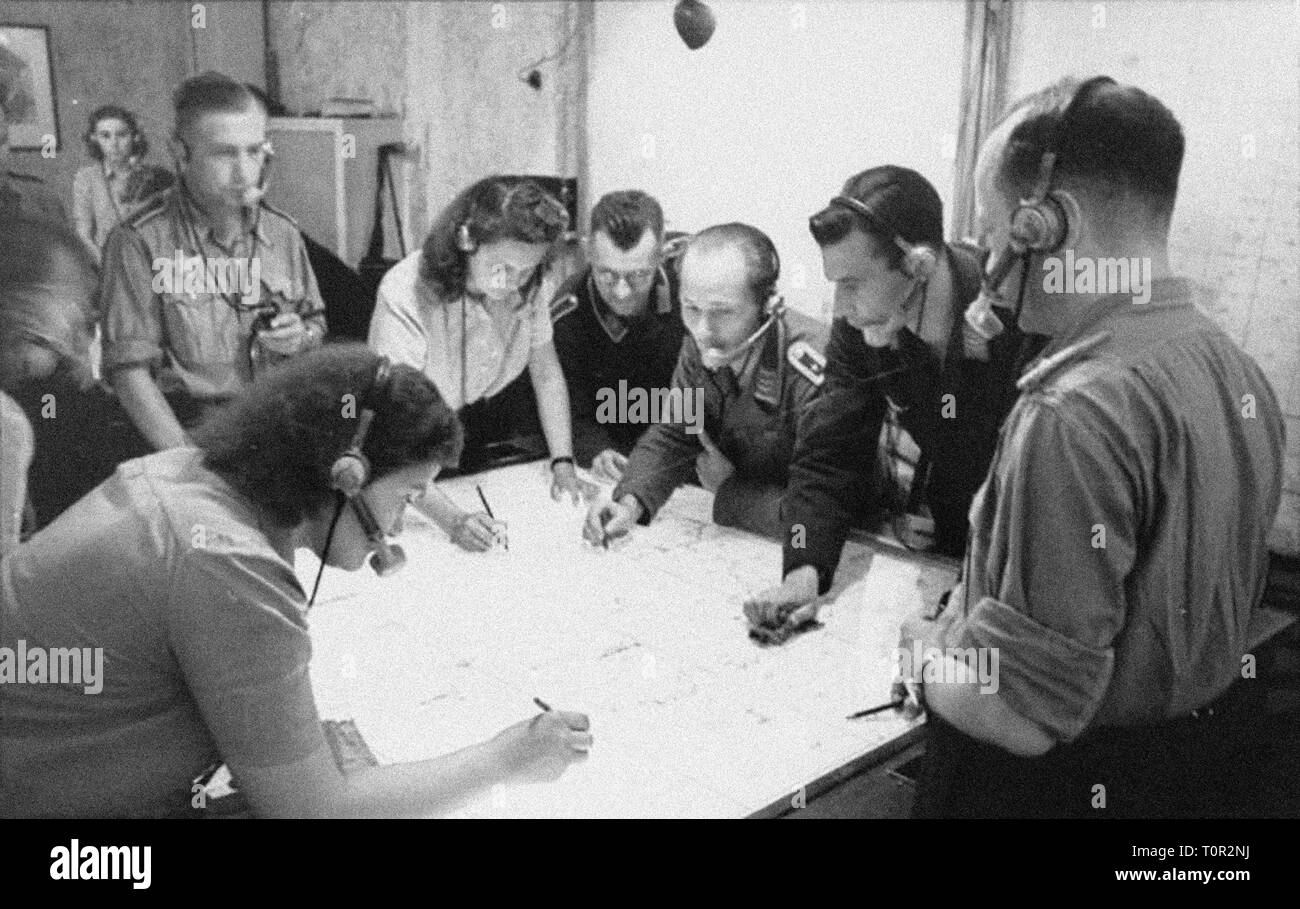 events, Second World War / WWII, aerial warfare, Germany, radio control center for night fighters, 1944, Additional-Rights-Clearance-Info-Not-Available - Stock Image