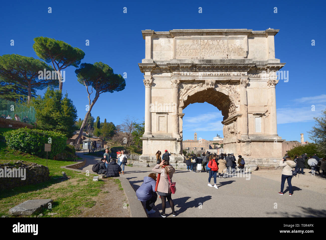 Arch Over Road Stock Photos & Arch Over Road Stock Images - Alamy