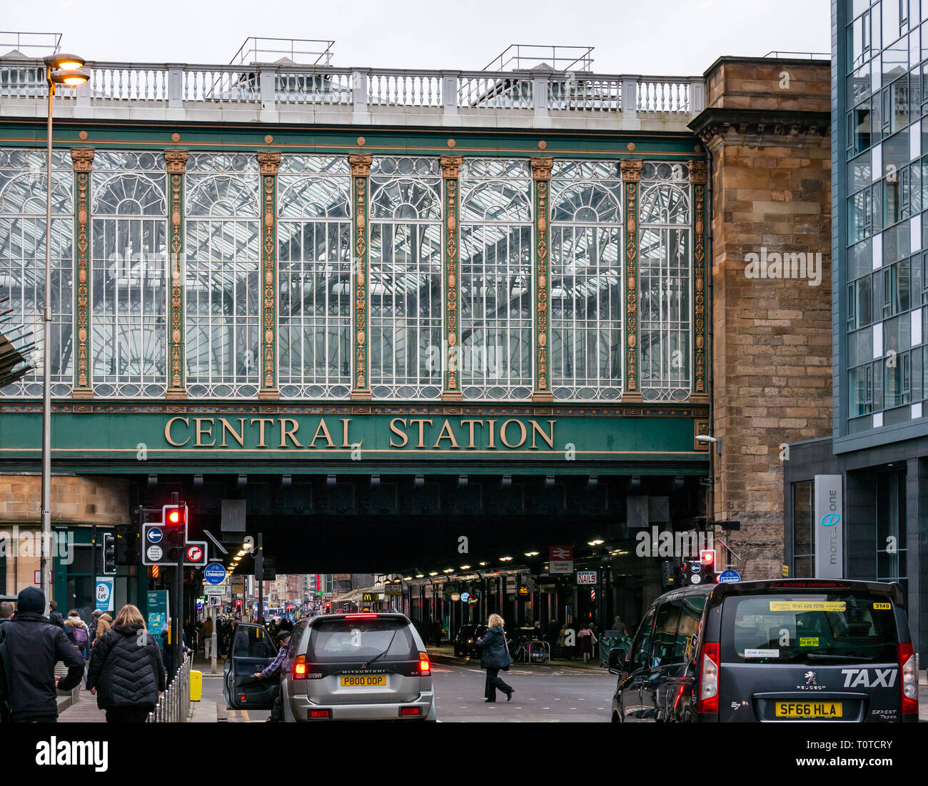 Ornate Victorian glass structure, Glasgow Central Statiion, Argyle Street, Scotland, UK - Stock Image