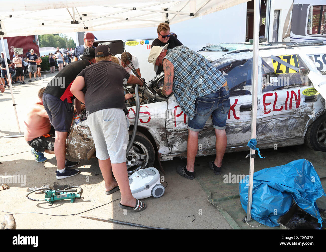 Motala, Sweden, 'Folkracefestivalen' participants in upcoming race. Folk racing or Folkrace is a popular, inexpensive, and entry-level form of Nordic rallycross Photo Jeppe Gustafsson - Stock Image