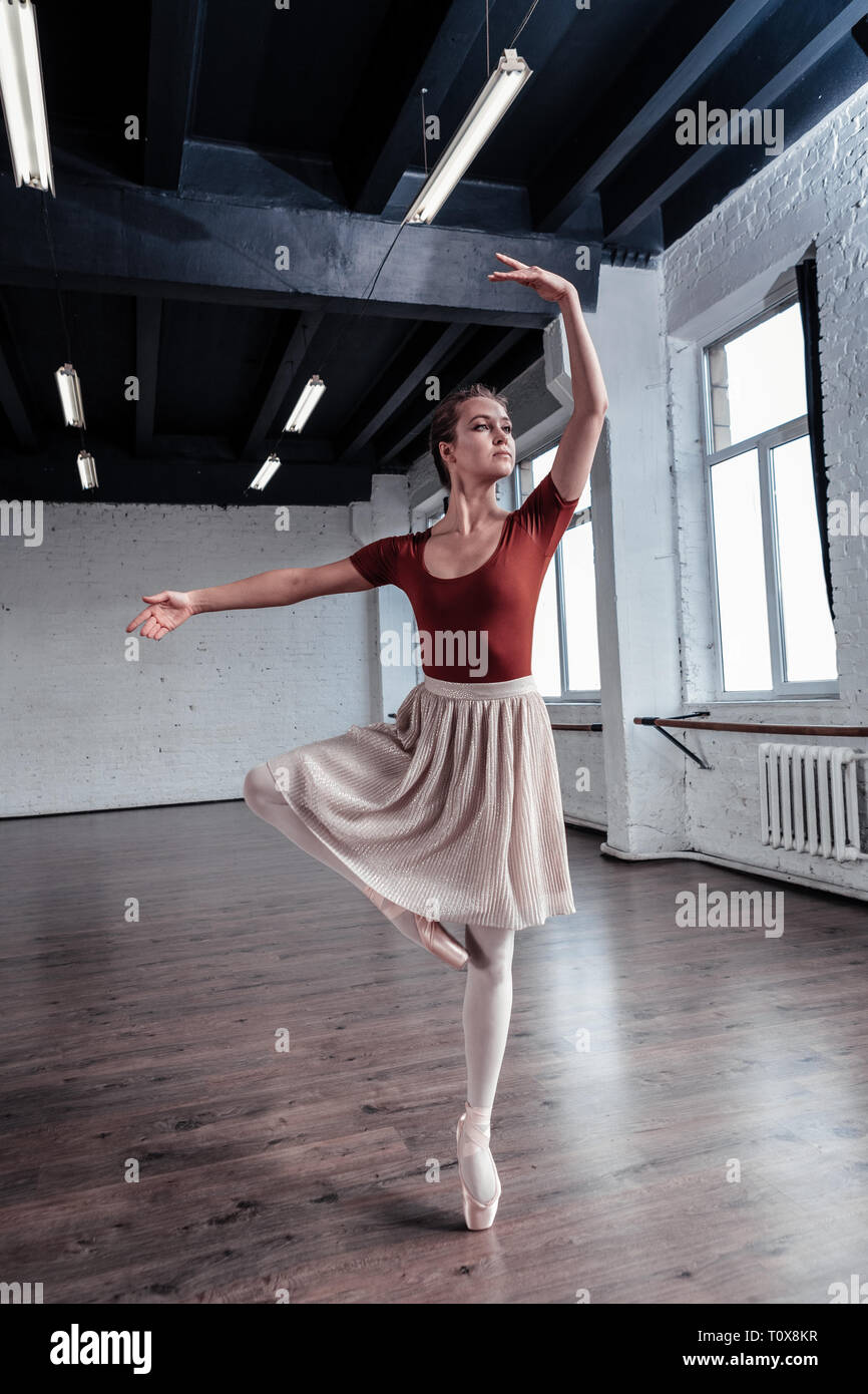 tills nu Ändlös TVapparat  Professional Ballet Dancer Looking In High Resolution Stock Photography and  Images - Alamy