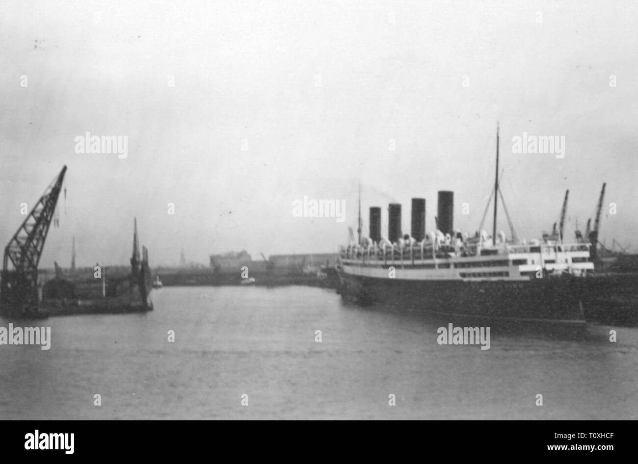 transport / transportation, navigation, steamships, passenger ship RMS 'Aquitania' of the Cunard Line, built at John Brown and Company, Clydebank, view port aft, Southampton, England, circa 1930, Additional-Rights-Clearance-Info-Not-Available - Stock Image