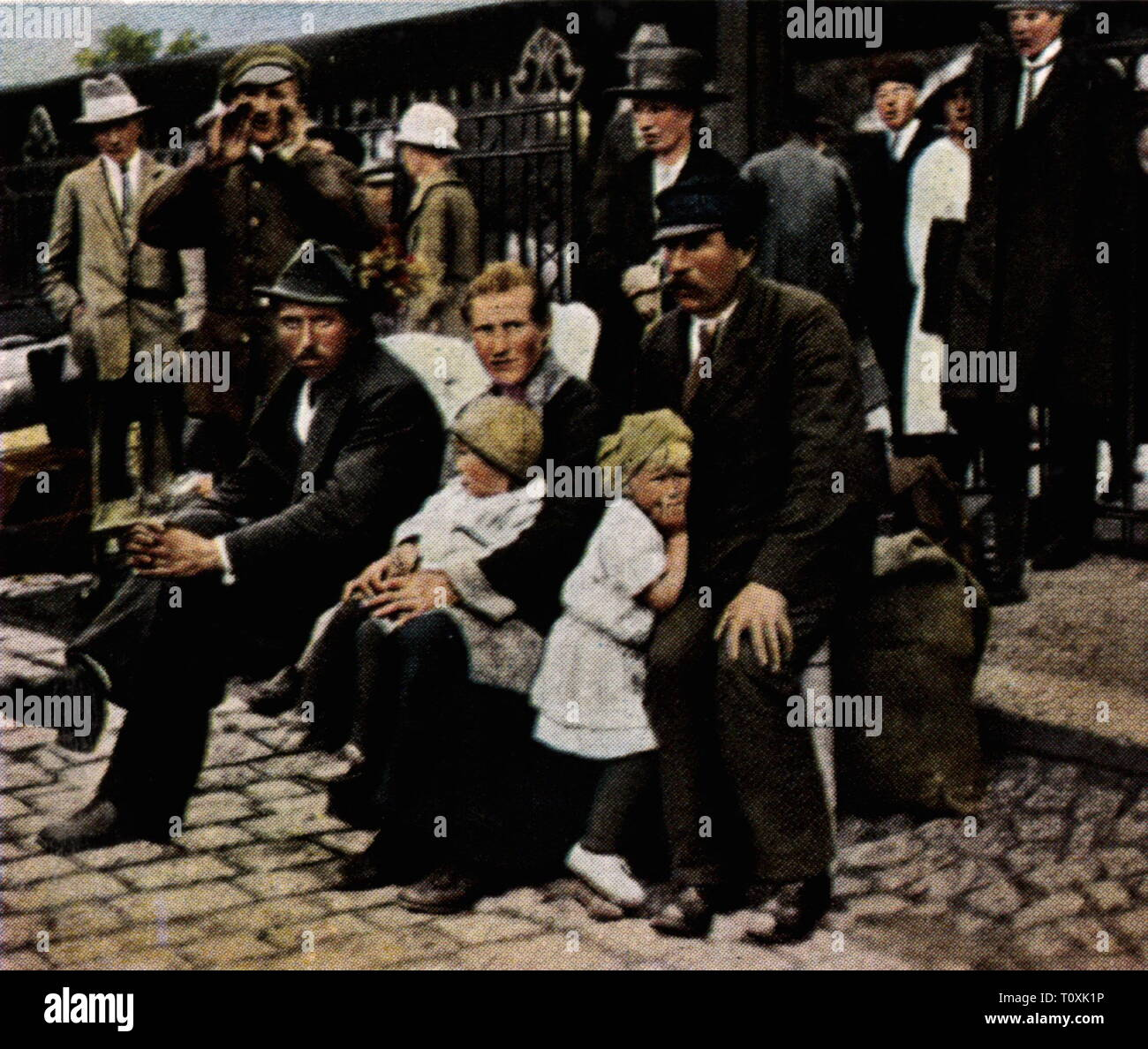 expulsion of German nationals from Poland, optants at Schneidemuehl railway station, September  1925, Additional-Rights-Clearance-Info-Not-Available - Stock Image