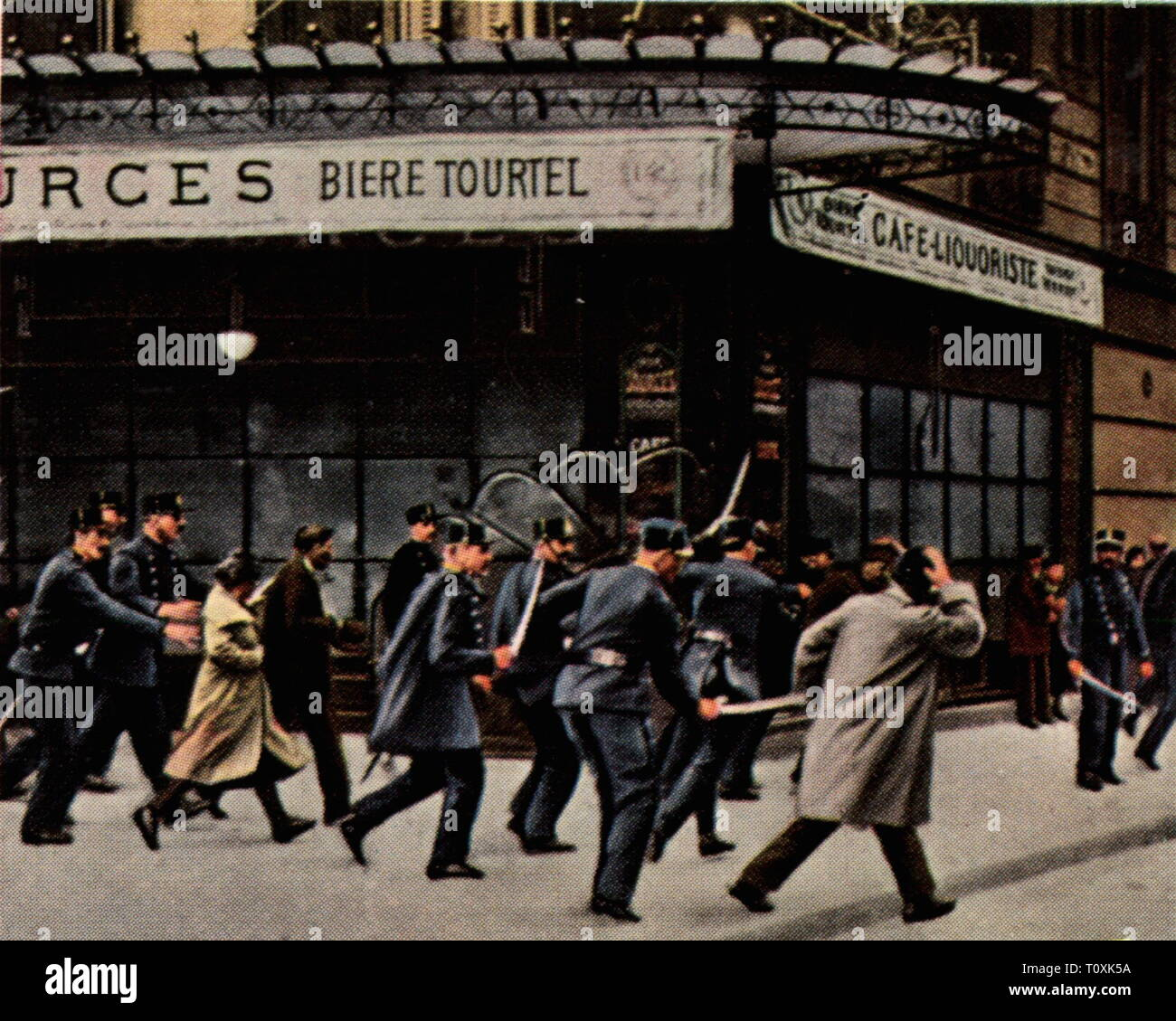 Paris riots of 6.2.1934, police in action, coloured photograph, cigarette card, series 'Die Nachkriegszeit', 1935, police operation, police operations, demonstrators, demonstrator, tumult, affray, demonstration, demo, demonstrations, demos, protest, protests, corruption, corruptions, political crisis, politics, policy, France, Third Republic, people, 20th century, 1930s, riot, riots, coloured, colored, post war period, post-war period, post-war years, post-war era, historic, historical, Additional-Rights-Clearance-Info-Not-Available - Stock Image