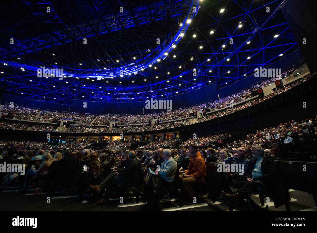 Glasgow, UK. 21 March 2019.  BBC's Blue Planet II Live In Concert.  Narrated by Anita Rani The concert will be hosted by BBC presenter Anita Rani, a highly-respected TV personality, she appears on stage in between film scores and gives short descriptions and insights into the next piece of film along with facts about the animals about to be seen.    The live orchestra perform powerful music pieces which fit perfectly to fantastic film footage of chase scenes and close ups on a massive high definition projection. Credit: Colin Fisher/Alamy Live News - Stock Image