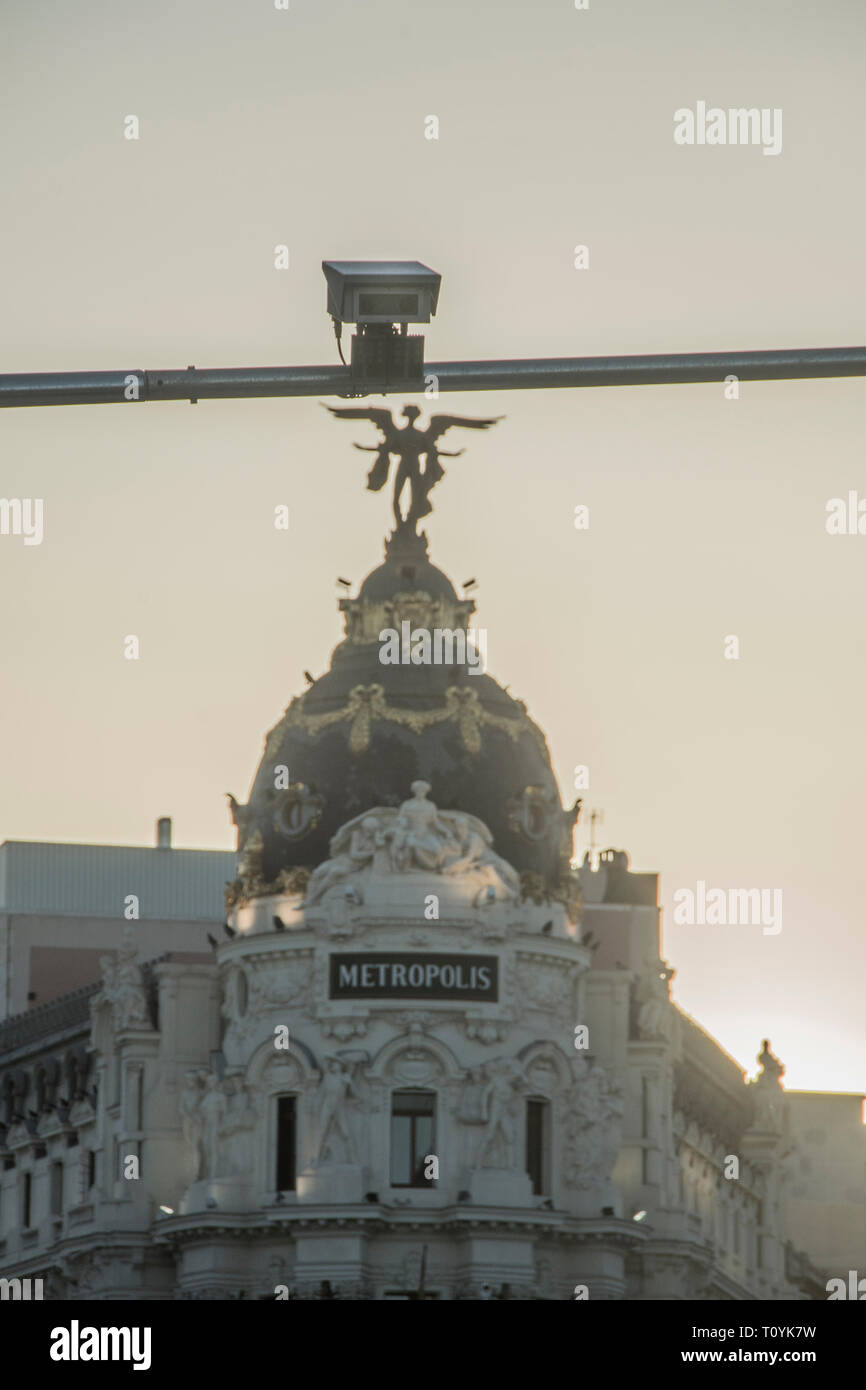 Madrid, Spain. 22nd Mar 2019. A central camera in the street Alcala. Those cars that pass the lines of the 472 hectares of the center of Madrid without permission will be sanctioned. The Madrid City Council has installed 115 cameras in the center of Madrid these are going to be the 115 eyes of central Madrid. Credit: Alberto Sibaja Ramírez/Alamy Live News - Stock Image