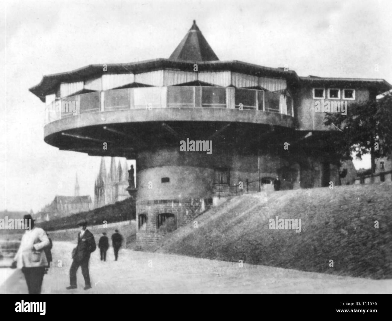 geography / travel historic, Germany, cities and communities, Cologne, building, bastion with restaurant, built 1924, modified 1927, architect: Wilhelm Riphahn, exterior view, later 1920s, Additional-Rights-Clearance-Info-Not-Available - Stock Image