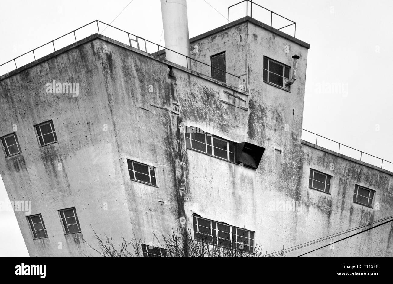 old redundant factory building - Stock Image