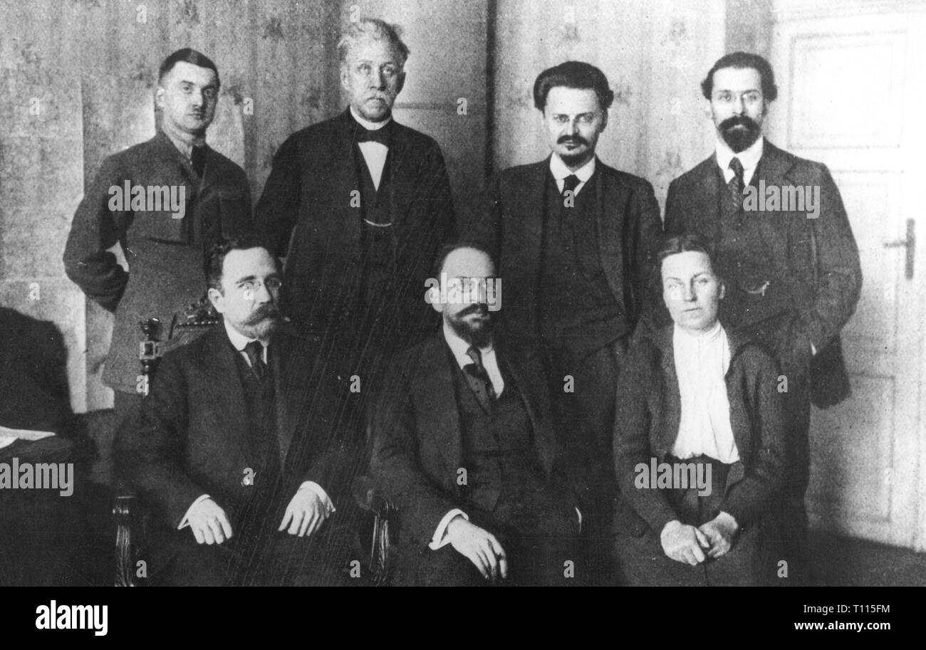 First World War / WWI, conference, conference of Brest-Litovsk, 9.12.1917 - 3.3.1918, Soviet delegation, sitting, from left: Lev Kamenev, Adolf Joffe, Anastasya Bitsenko, standing, from left: V Lipskiy, Peteris Stucka, Leo Trotskiy, Lev Karakhan, Brest Litovsk, Bolshevist, Bolshevists, bolshevik, bolsheviks, delegate, delegates, politics, foreign policy, external policy, USSR, Union of Socialist Soviet Republics, Soviet Union, Russia, WW1, 20th century, 1910s, world war, world wars, conference, conferences, delegation, delegations, historic, hist, Additional-Rights-Clearance-Info-Not-Available - Stock Image