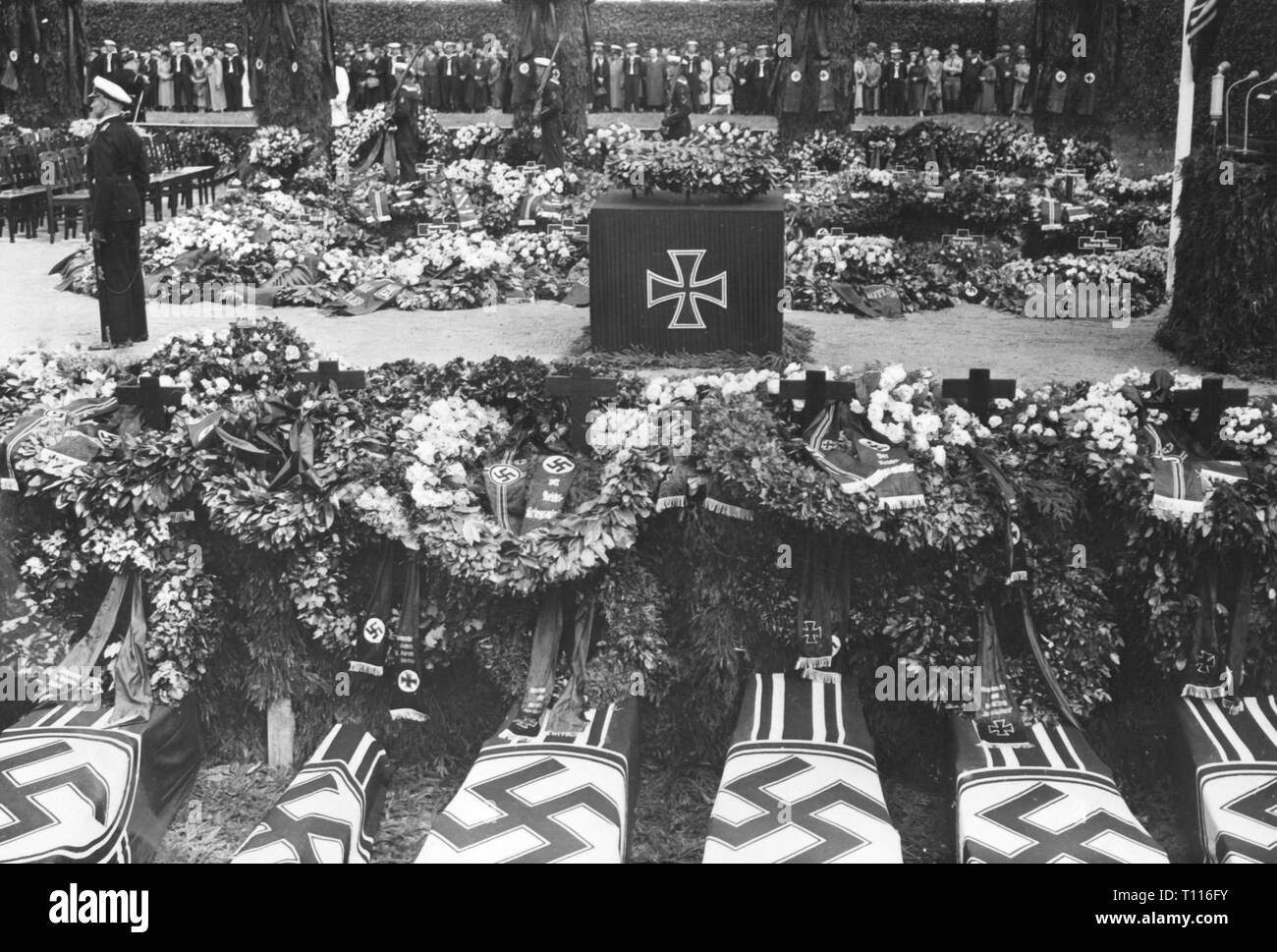 Spanish Civil War 1936 - 1939, bomb attack on the German ironclad 'Deutschland' at Ibiza on 29.5.1937, the coffins the dead in the cemetery the navy, city park, Wilhelmshaven, 17.6.1937, Additional-Rights-Clearance-Info-Not-Available - Stock Image