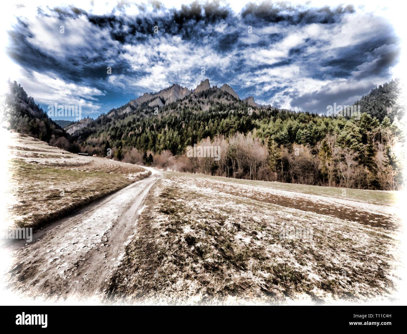 Trzy Korony Peak in Pieniny Mountains in Poland - Stock Image