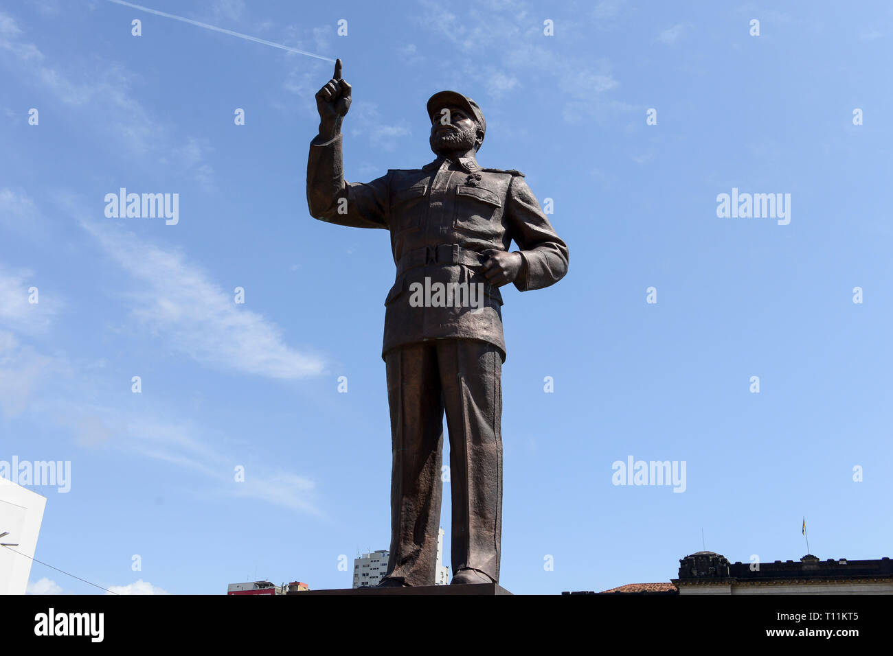 MOZAMBIQUE, Maputo, Praça da Independência, Independence square, memorial for Samora Moisés Machel 1933-1986 , since 1970 leader of FRELIMO the movement for independance and first president of Mozambique 1975-1986 - Stock Image