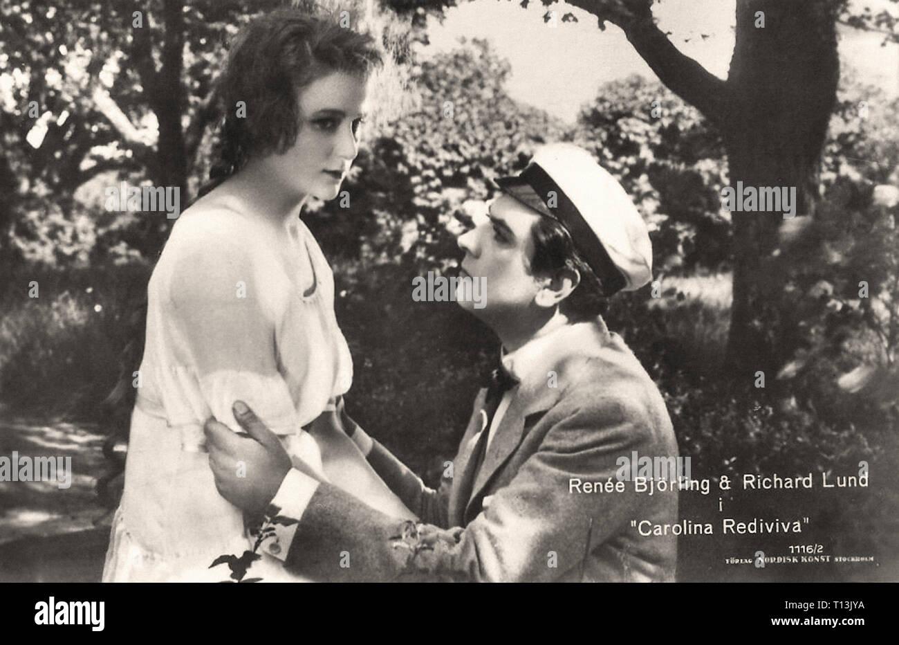 Promotional photography of Renée Björling and Richard Lund in Carolina Rediviva (1920) - Silent movie era Stock Photo