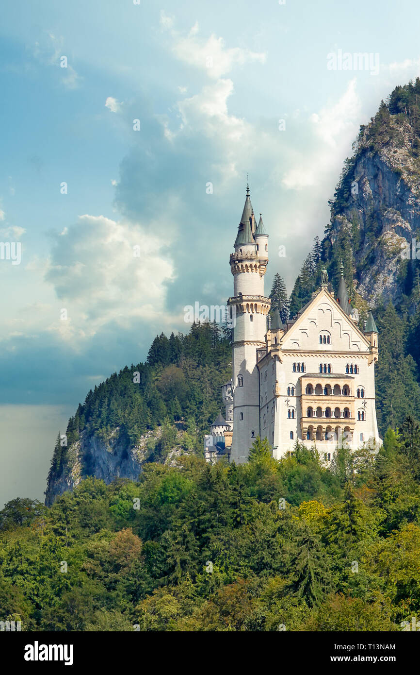Beautiful view of world-famous Neuschwanstein Castle, the 19th century Romanesque Revival palace built for King Ludwig II, with scenic mountain landsc Stock Photo