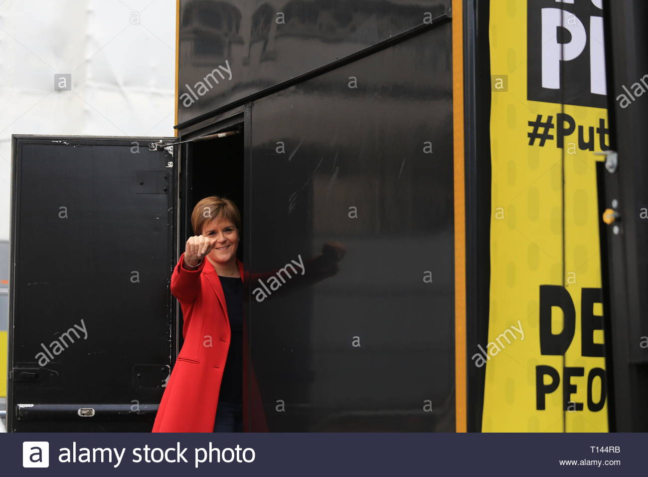 London, UK. 23rd March, 2019. . London, UK. 23rd March, 2019. The people's vote protest has ended at Westminster Westminster.Many well known speakers including Tom Watson and Nicola Sturgeon addressed the crowd this evening, calling on Prime Minister May to allow a second vote. Credit: Clearpix/Alamy Live News Credit: Clearpix/Alamy Live News - Stock Image