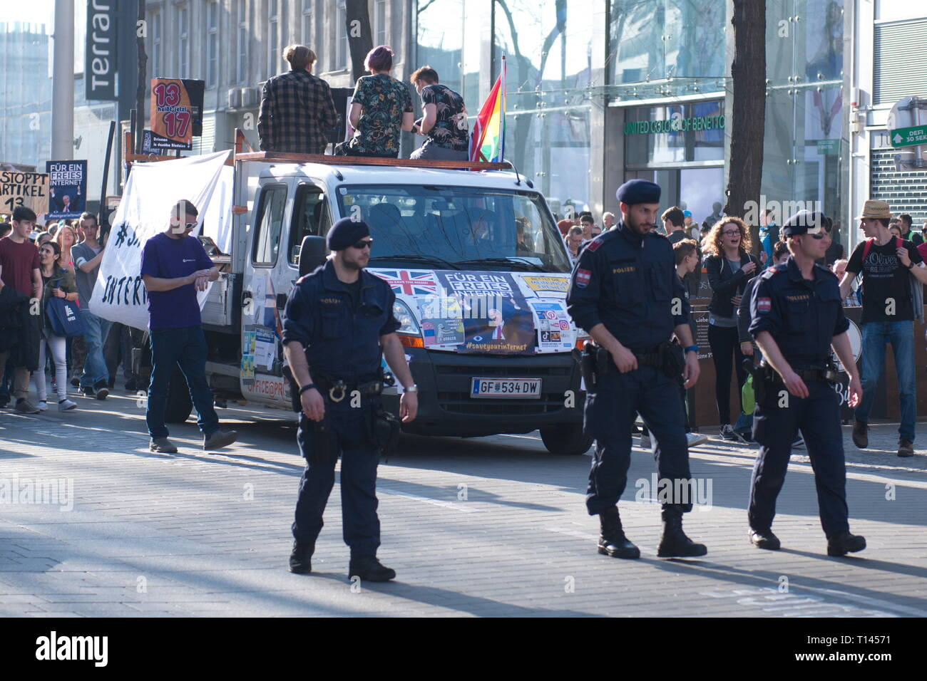 """Vienna, Austria. 23.März.2019. EU continues protest day against planned copyright reform and upload filter: Demonstration """"Save Your Internet"""". Credit: Franz Perc / Alamy Live News Stock Photo"""