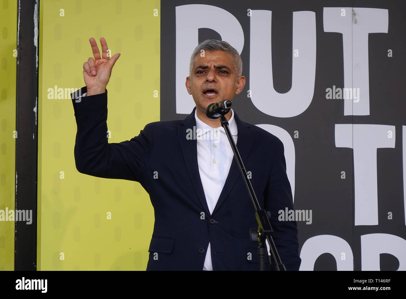 London, UK. 23rd March, 2019. London Mayor Sadiq Khan speaks on 'People's Vote' March in Parliament Square, London, 23rd Of March, 2019. Credit: Thomas Krych/Alamy Live News - Stock Image
