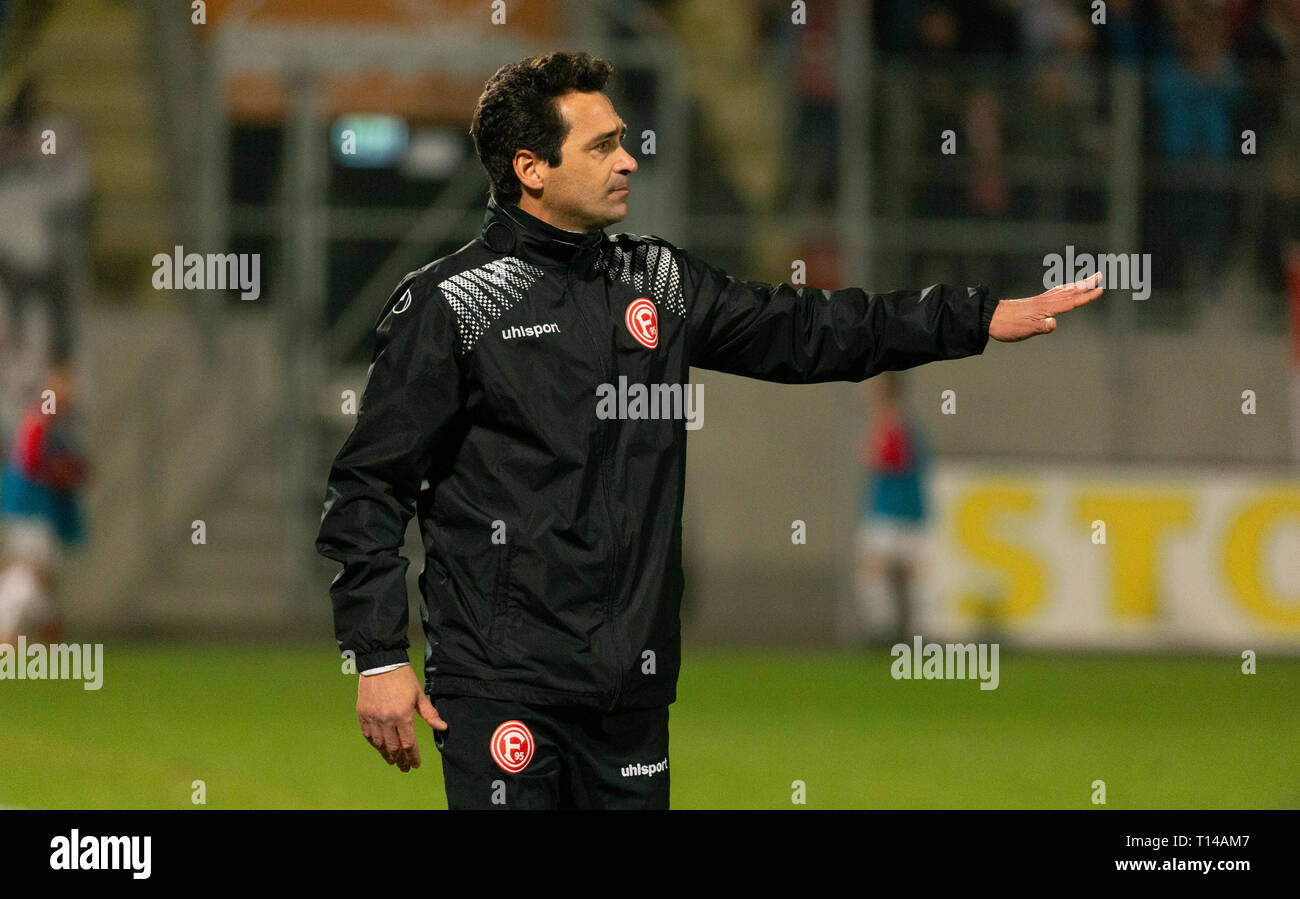 sports, football, Regional League West, 2018/2019, Rot Weiss Oberhausen vs Fortuna Duesseldorf U23 3-3, Stadium Niederrhein in Oberhausen, head coach Nico Michaty (Fortuna) Stock Photo