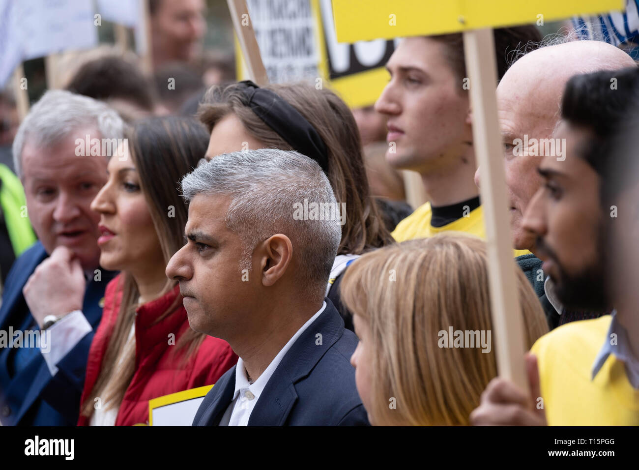 London, UK. 23rd Mar, 2019. Sadiq Khan and Rosena Allin-Khan waiting at the start of the Peoples Vote march. London 23 March 2019 Credit: Chris Moos/Alamy Live News - Stock Image