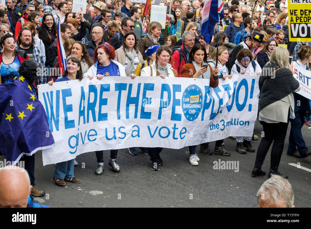 London, UK. 23rd March 2019. Hundreds of thousands of people march through central London demanding a second vote on the UK's membership of the European Union. Credit: mark phillips/Alamy Live News - Stock Image