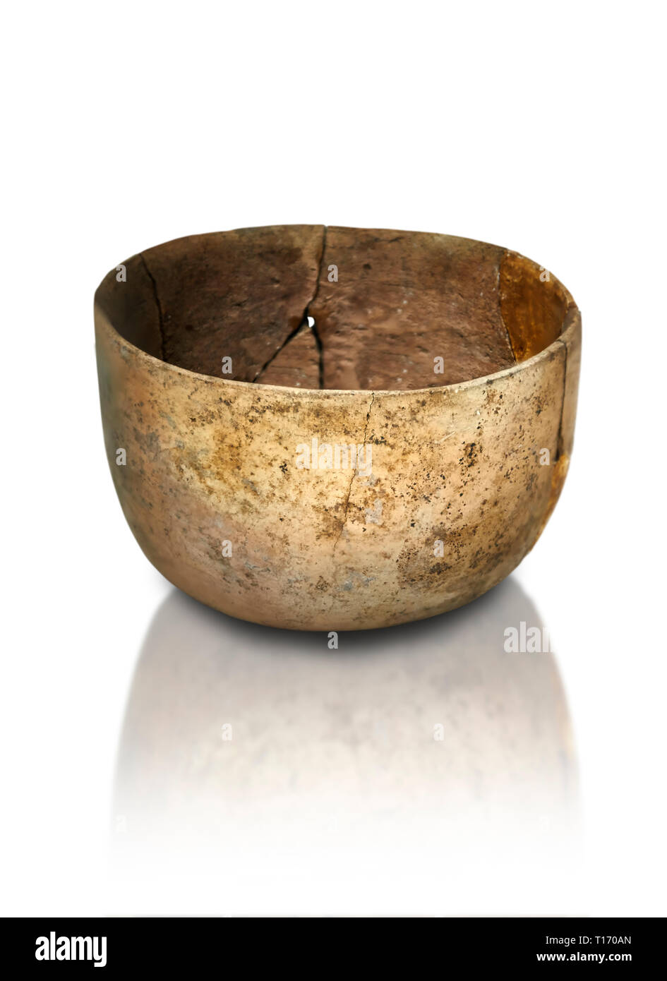 Neolithic terracotta bowl. Catalhoyuk collection, Konya Archaeological Museum, Turkey. Against a white background - Stock Image