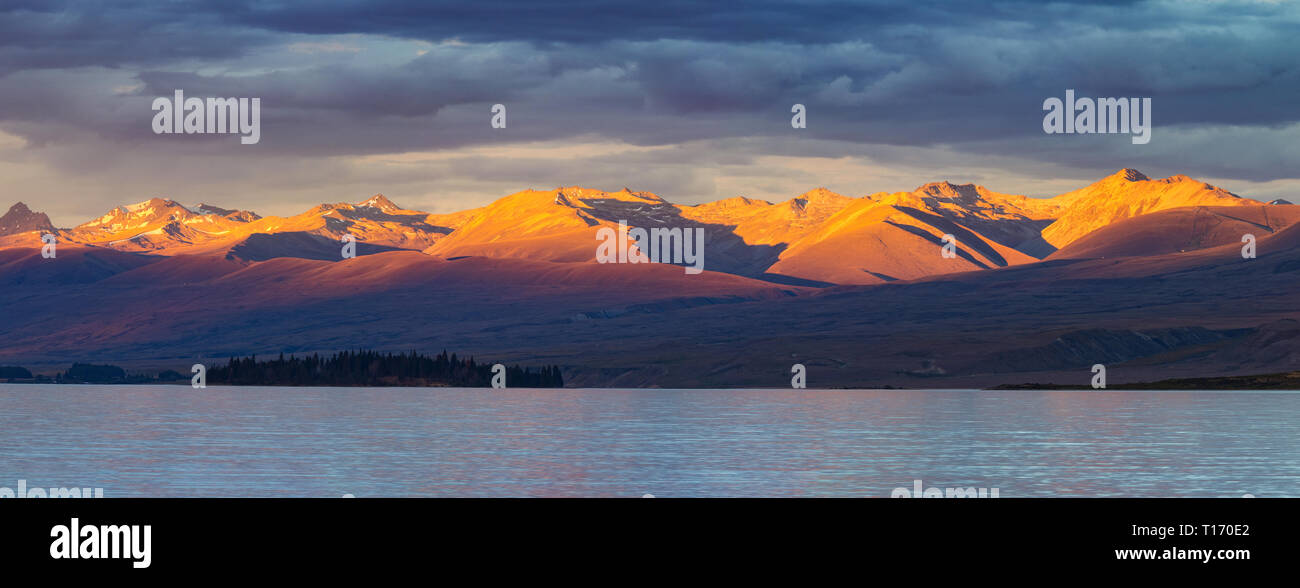 Sunset over Lake Tekapo - Stock Image
