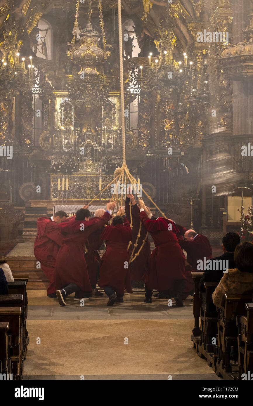 Ritual of swinging the 'Botafumeiro' in the Cathedral of Santiago de Compostela - Stock Image