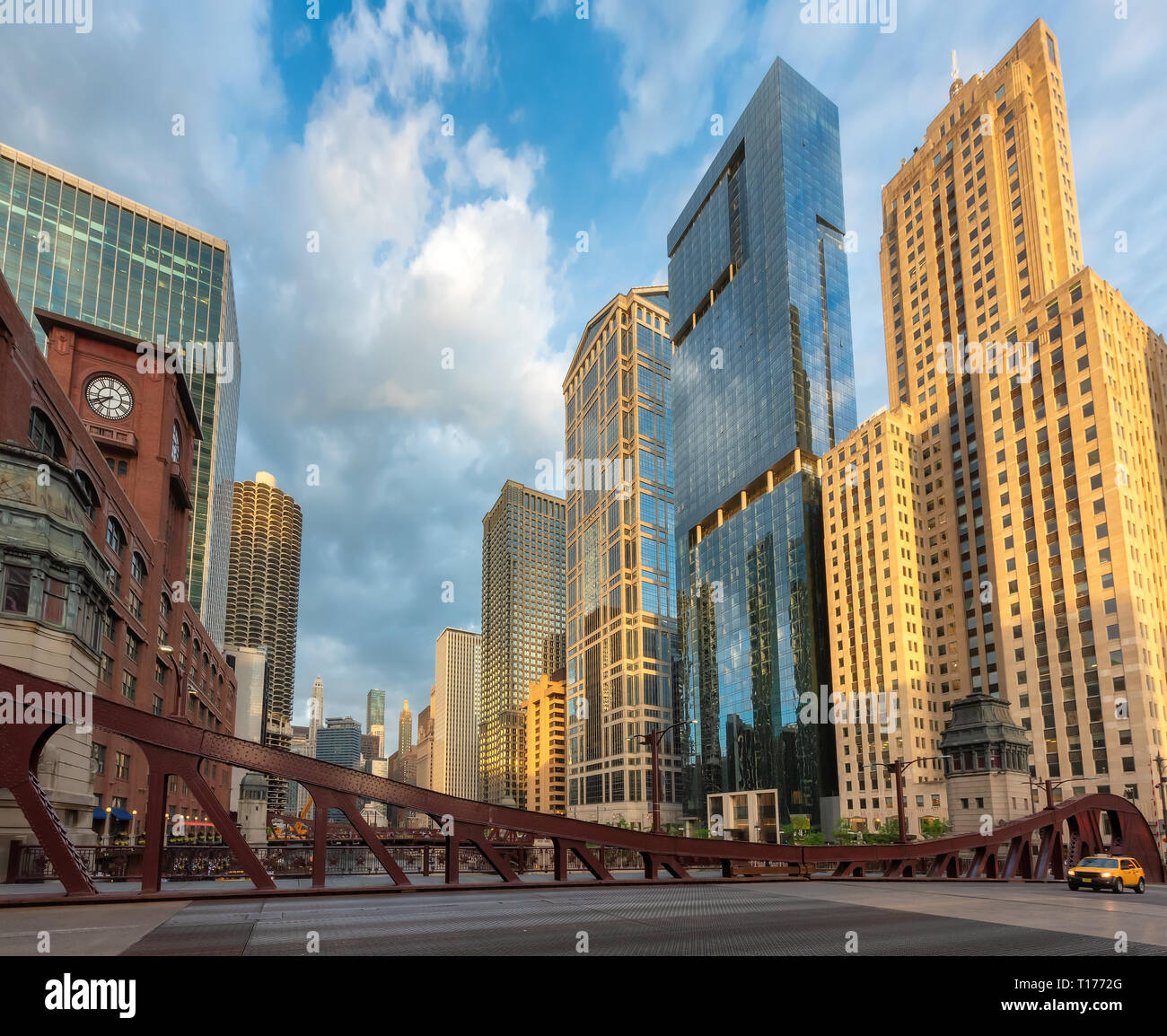 Chicago city and bridges at sunset in Chicago, Illinois - Stock Image
