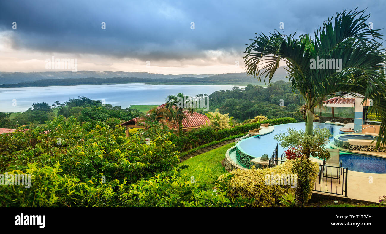 Scenic view of Lake Arenal in central Costa Rica and a lodge - Stock Image