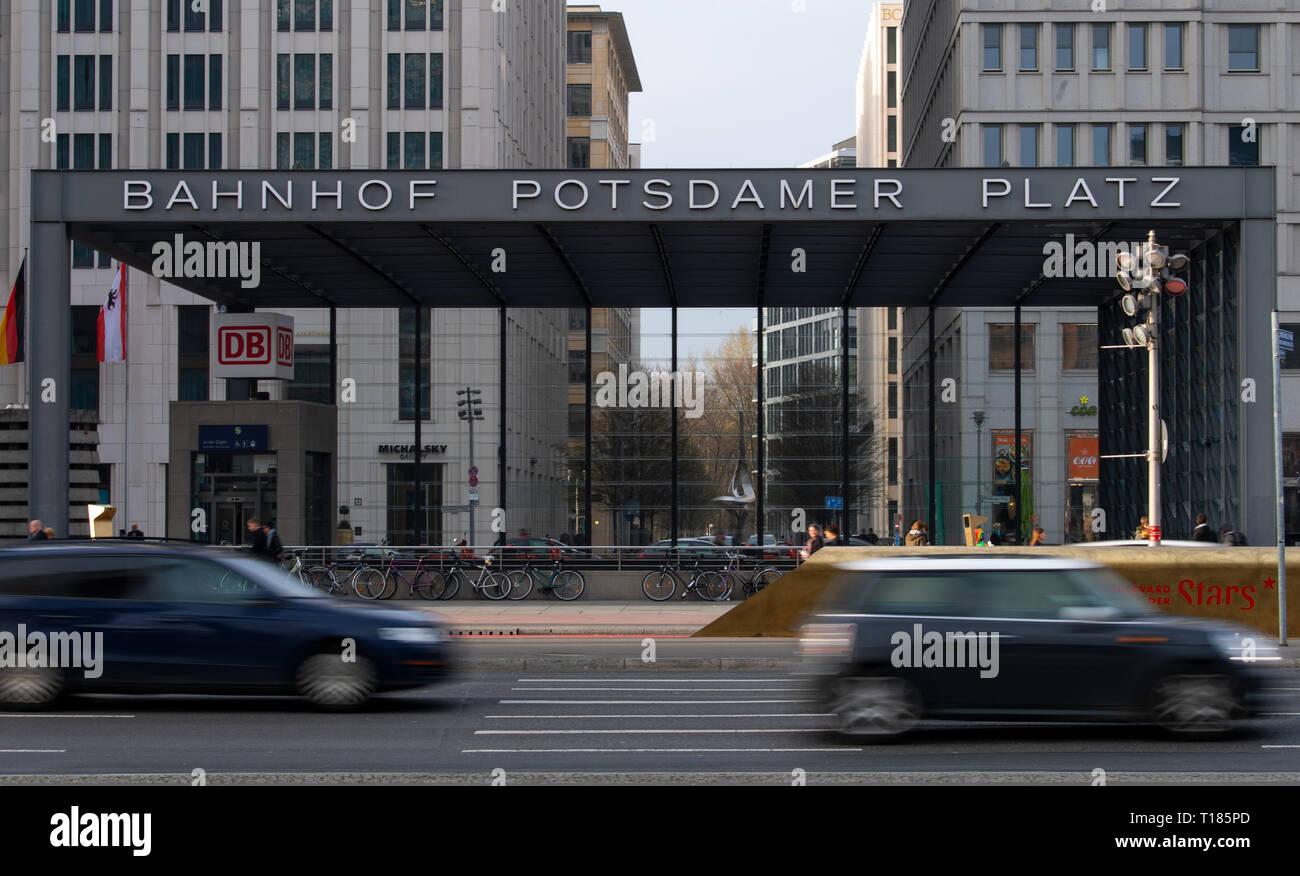 Berlin, Germany  22nd Mar, 2019  Cars pass the Potsdamer