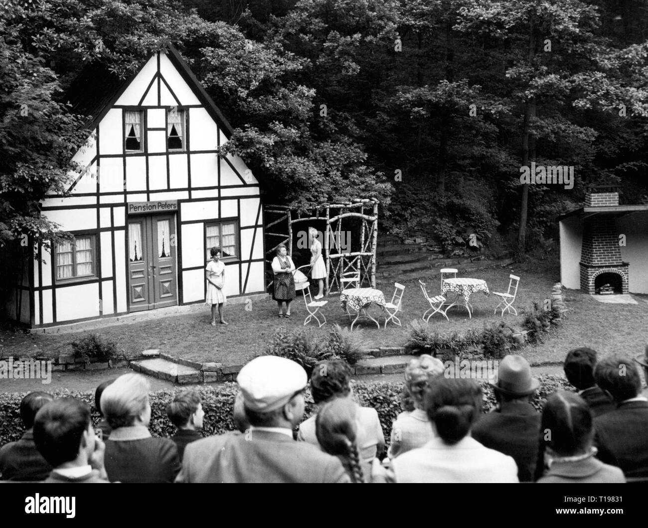 theatre / theater, open-air theatre, sylvan theater Hohensyburg, Dortmund, performance of the play 'Pfeffer und Salz' ('Pepper and Salt') of Karl Bunje, premiere: 9.6.1968, Additional-Rights-Clearance-Info-Not-Available - Stock Image