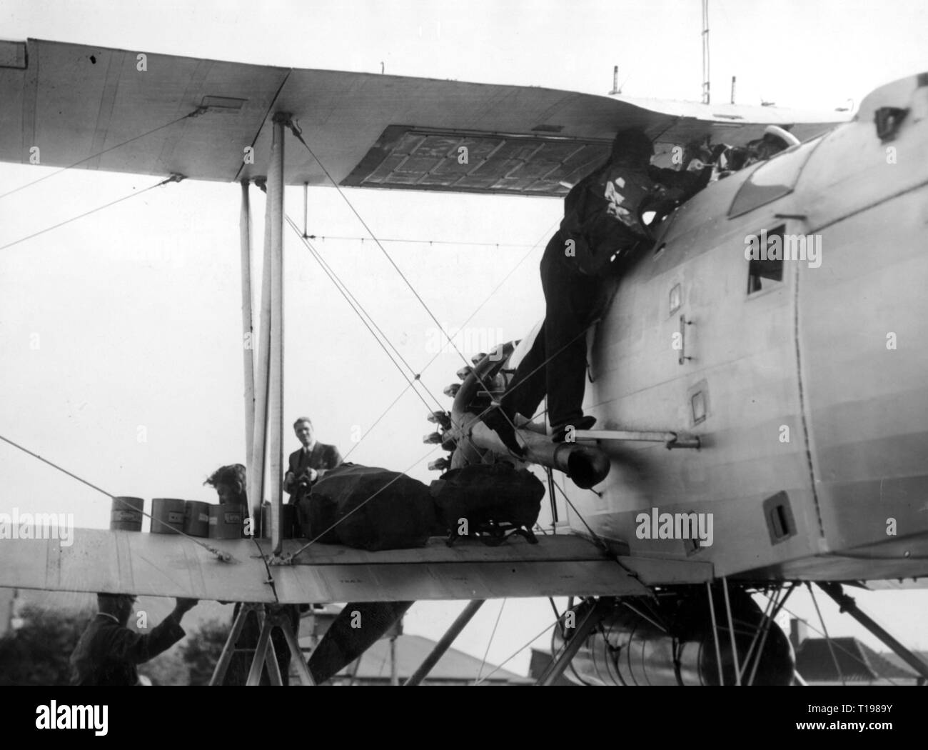 transport / transportation, aviation, aircraft, a Hawker Dantorp of the Danish Navy is prepared, relief flight to Hochstetters Foreland Station in Greenland, Copenhagen, 26.8.1935, Additional-Rights-Clearance-Info-Not-Available Stock Photo