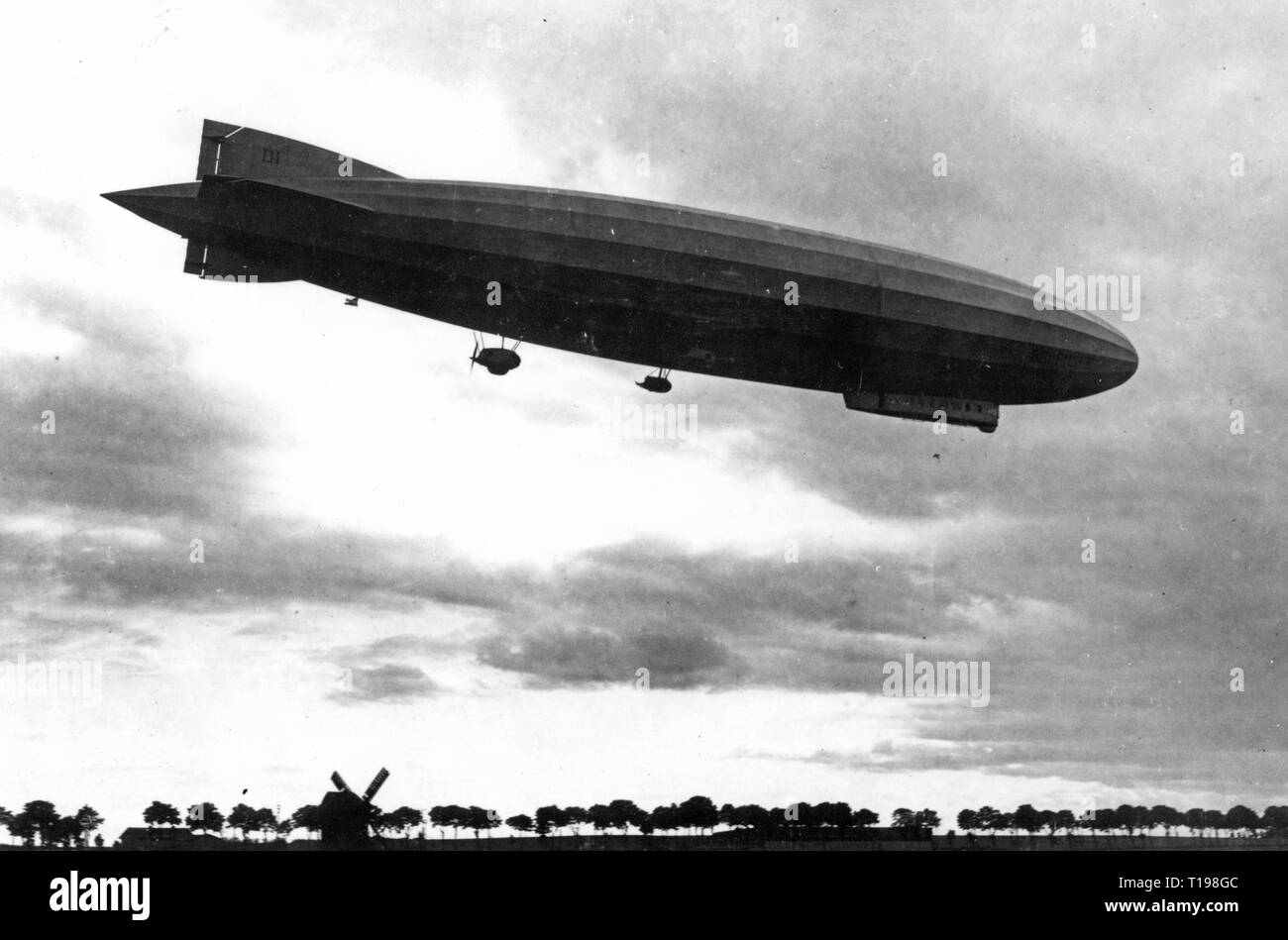 "transport / transportation, aviation, airship, zeppelin LZ 120 ""Bodensee"", maiden flight, 20.8.1919, Additional-Rights-Clearance-Info-Not-Available Stock Photo"