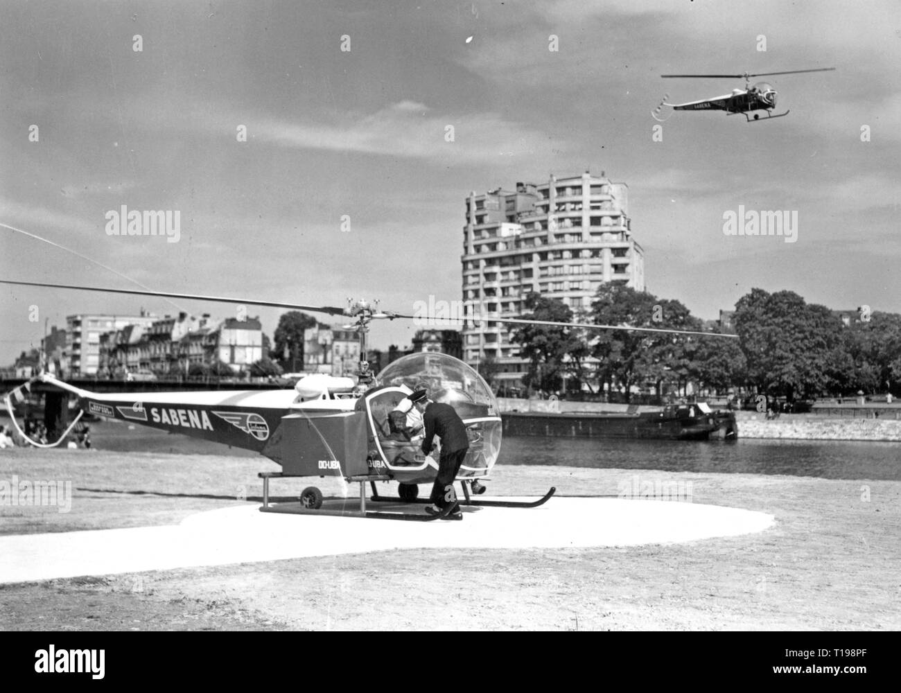 mail, airmail, helicopter Bell 47 D in the postal service of the Sabena, airfield in Liege, Belgium, 1950, Additional-Rights-Clearance-Info-Not-Available - Stock Image