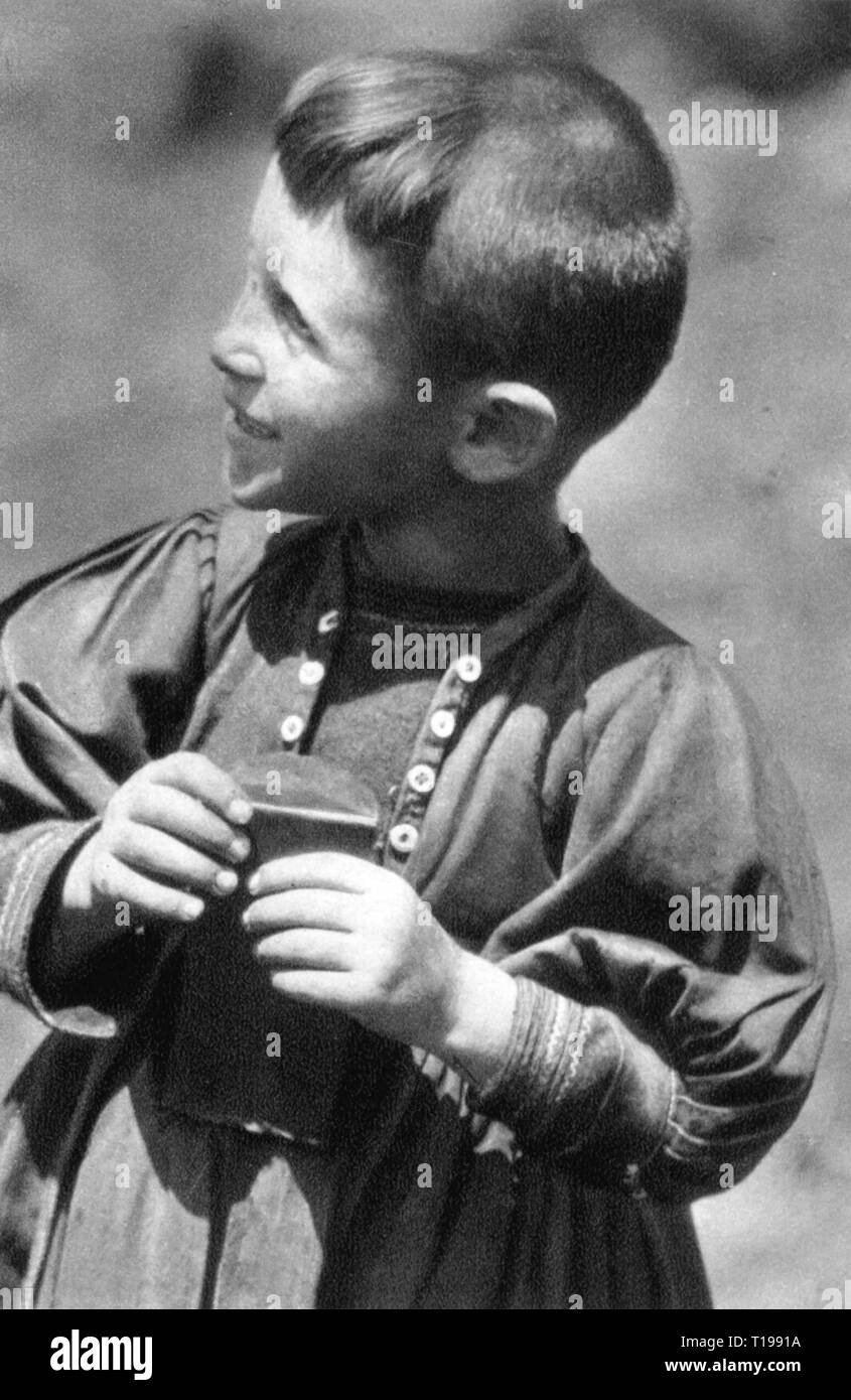 geography / travel historic, Albania, people, Aromanians, baby boy, Atlantis, number 10, 1930, Aromanian, ethnicity, ethnic, ethnical, ethnicities, half-length, half length, male, manly, children, child, kids, kid, Kingdom of Albania, the Balkans, Balkan Peninsula, Europe, 20th century, 1930s, little boy, little one, boy, boys, number, numbers, historic, historical, Additional-Rights-Clearance-Info-Not-Available - Stock Image