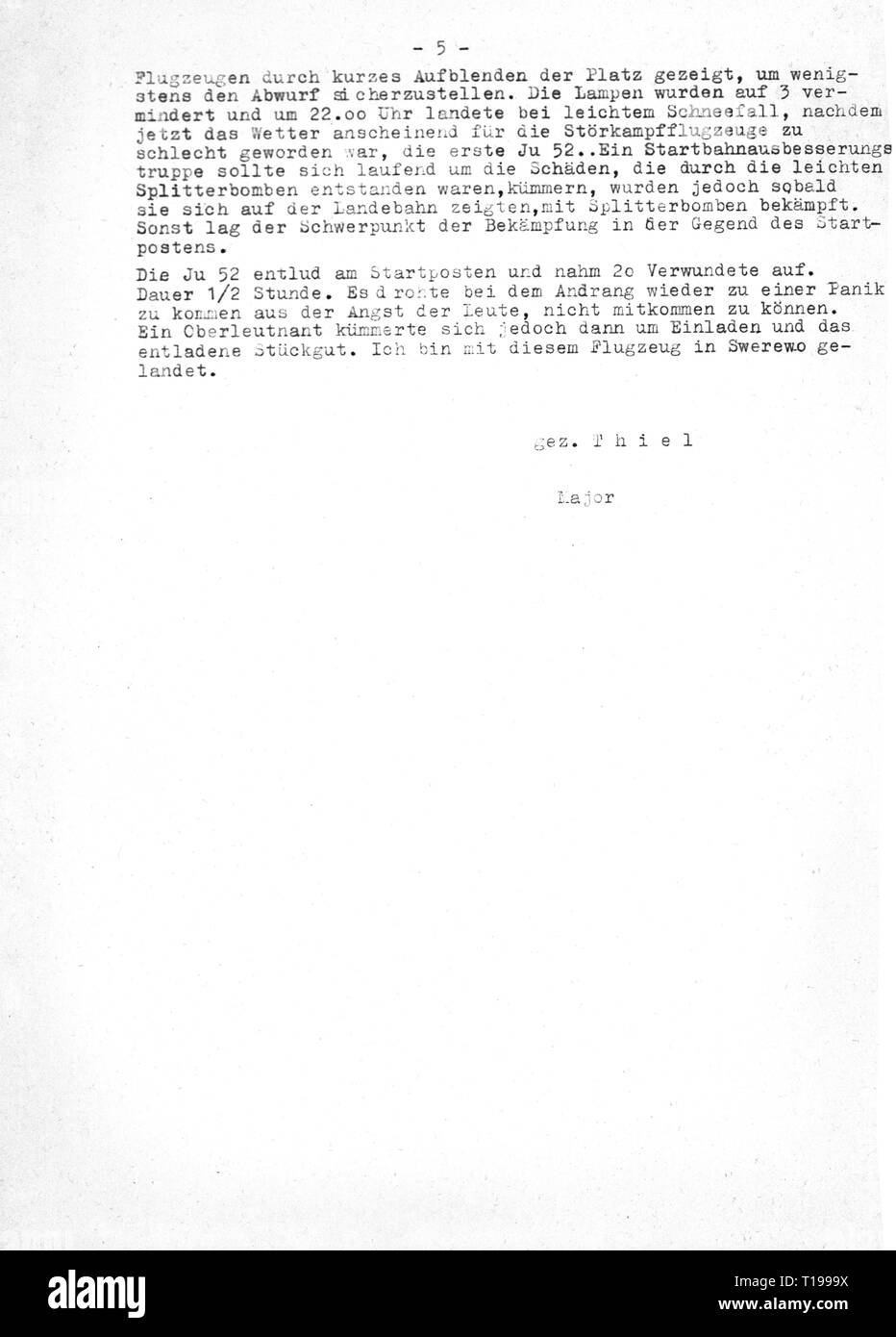 """Second World War / WWII, Russia, Battle of Stalingrad, 23.8.1942 - 2.2.1943, report of major Erich Thiel, Commanding Officer of III Group, Fighter Wing 27 """"Boelcke"""", about the condition of the airfield Gumrak and the consultation with Field Marshal General Friedrich Paulus, general commanding 6th Army, to Field Marshal Erhard Milch, Inspector General of the Luftwaffe (German Air Force), command post Stalino, 21.1.1943, copy, page 5, dispatch, despatch, dispatches, despatches, encirclement, German Luftwaffe (German Air Force), Wehrmacht, armed for, Additional-Rights-Clearance-Info-Not-Available Stock Photo"""