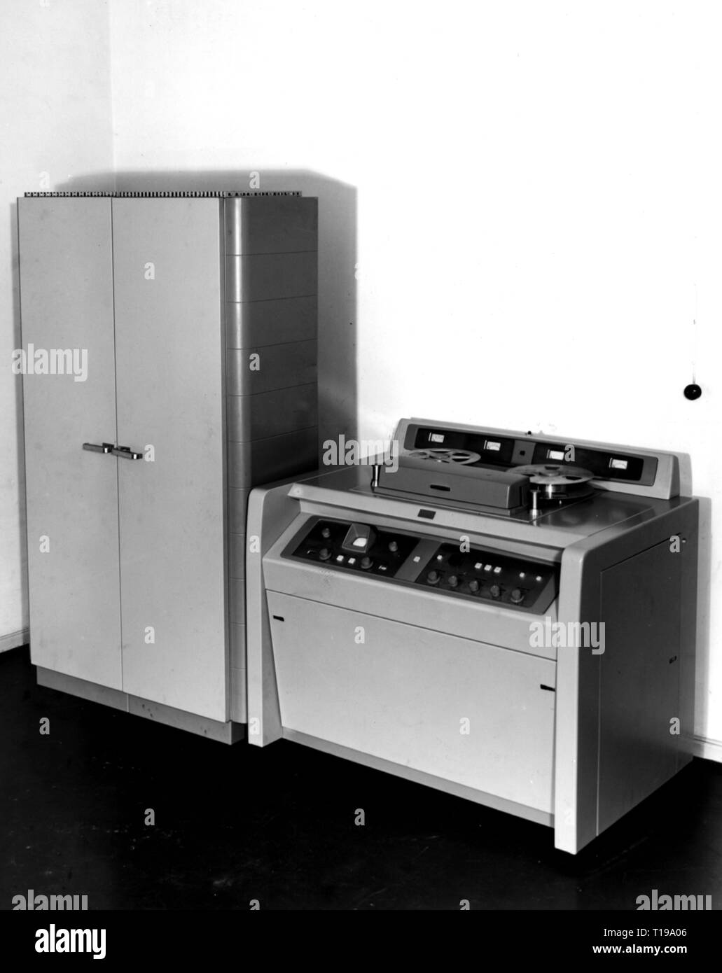 broadcast, television, Ampex VR-1000, appliance for the recording of television pictures, Suedwestfunk, Baden-Baden, 1958, Additional-Rights-Clearance-Info-Not-Available - Stock Image