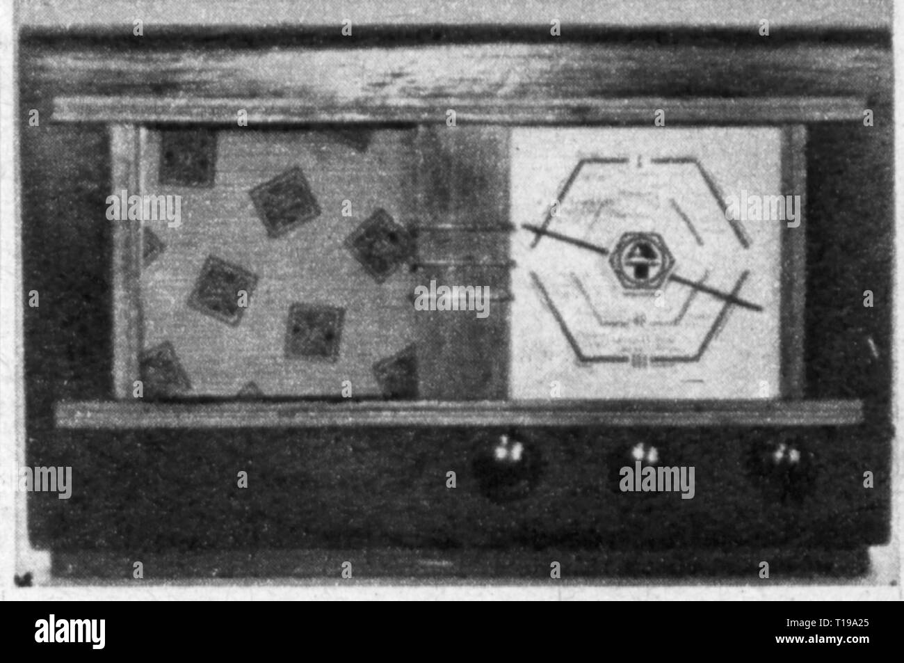broadcast, radio, radio sets, radio receiver of the appliance palnt Treptow of the AEG, West Berlin, late 1945, Additional-Rights-Clearance-Info-Not-Available - Stock Image