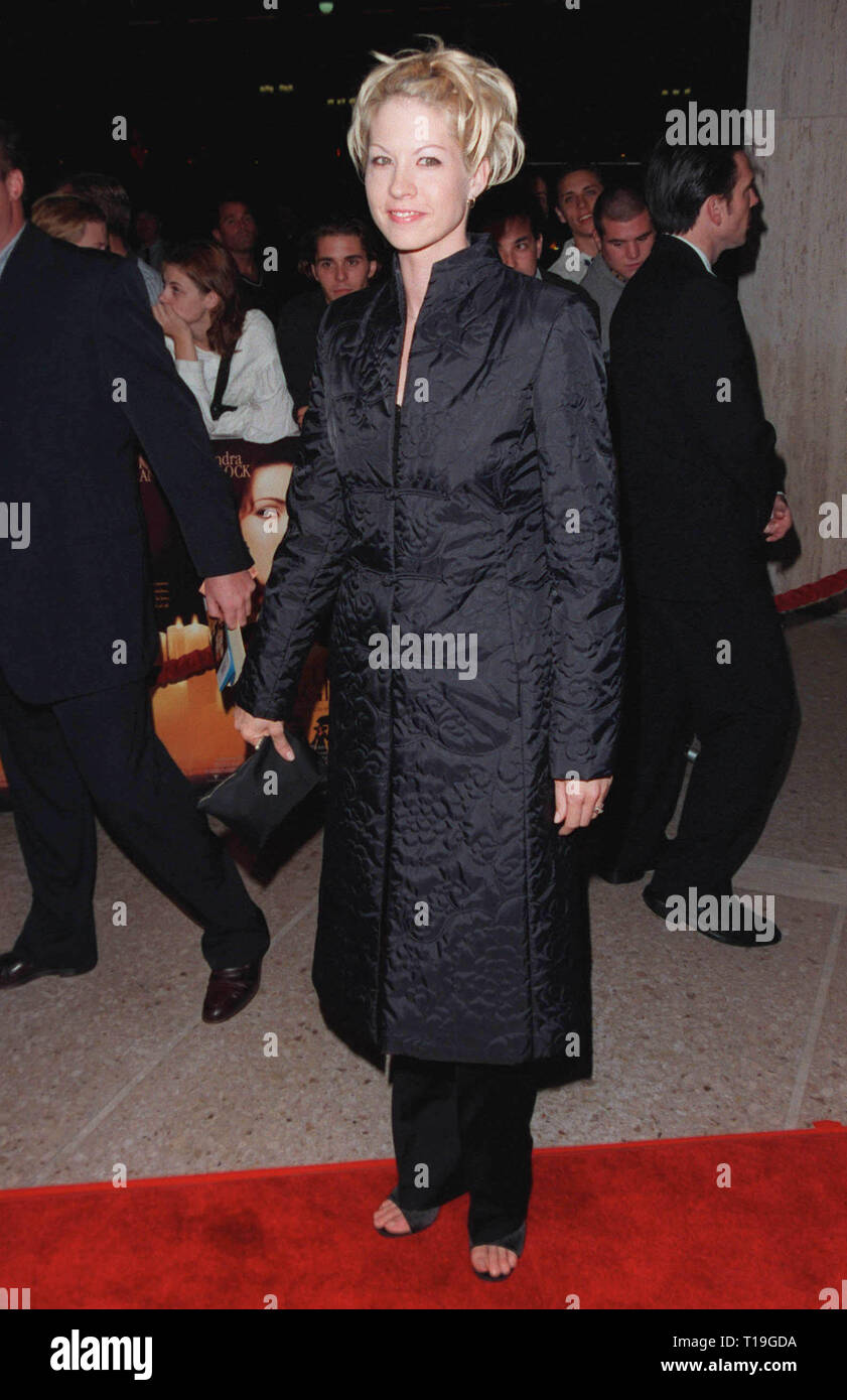 LOS ANGELES, CA - October 13, 1998:  'Dharma & Greg' star JENNA ELFMAN at the Los Angeles premiere of 'Practical Magic' which stars Sandra Bullock, Nicole Kidman, Aidan Quinn & Stockard Channing. - Stock Image