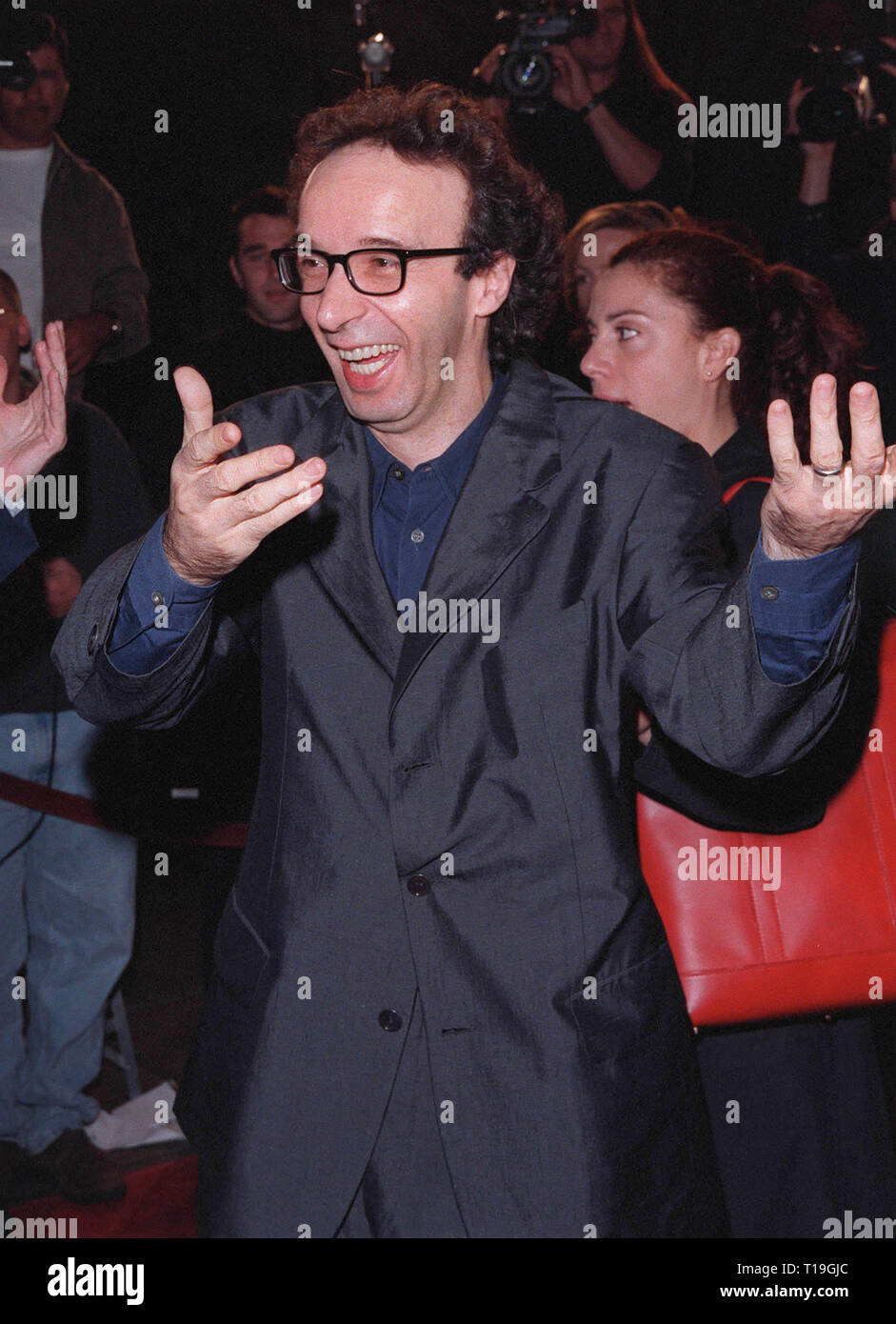 Los Angeles Ca October 22 1998 Italian Actor Director Roberto Benigni At The Hollywood Premiere Of