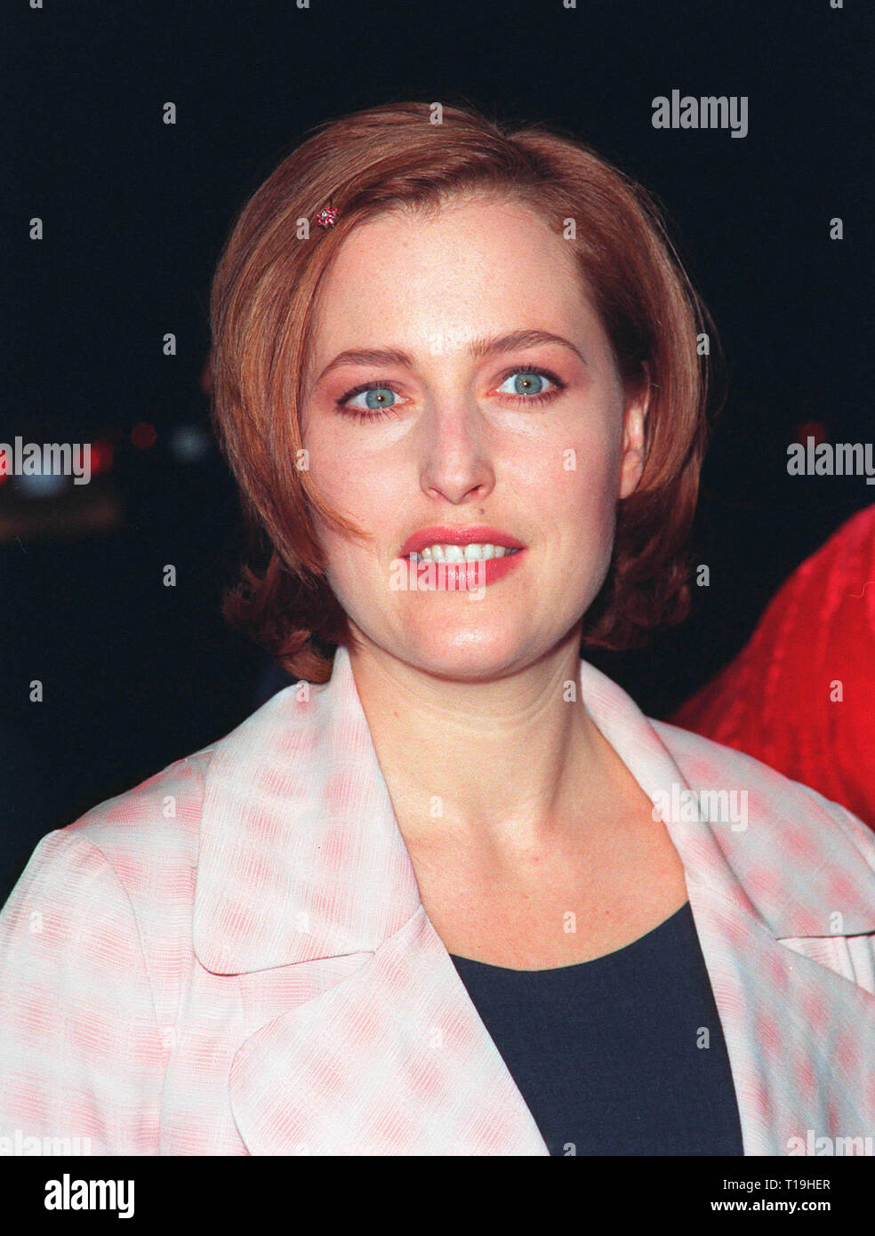 LOS ANGELES, CA - December 10, 1998: 'X-Files' star GILLIAN ANDERSON at world premiere of her new movie 'Playing by Heart' in which she stars with Sean Connery.  © Paul Smith / Featureflash - Stock Image