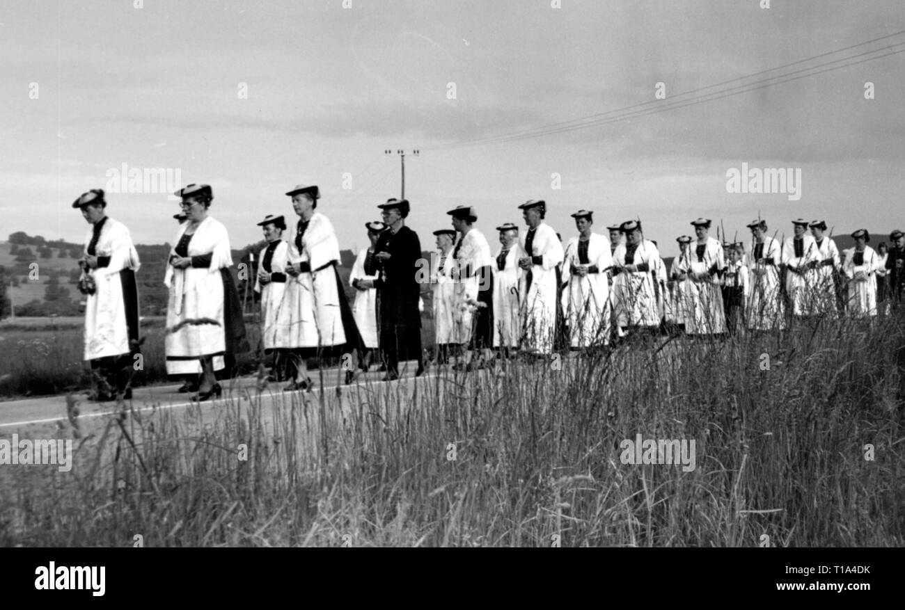 religion, Christianity, ecclesial feasts, procession on Corpus Christi day, Schlehdorf, 1985, Additional-Rights-Clearance-Info-Not-Available - Stock Image