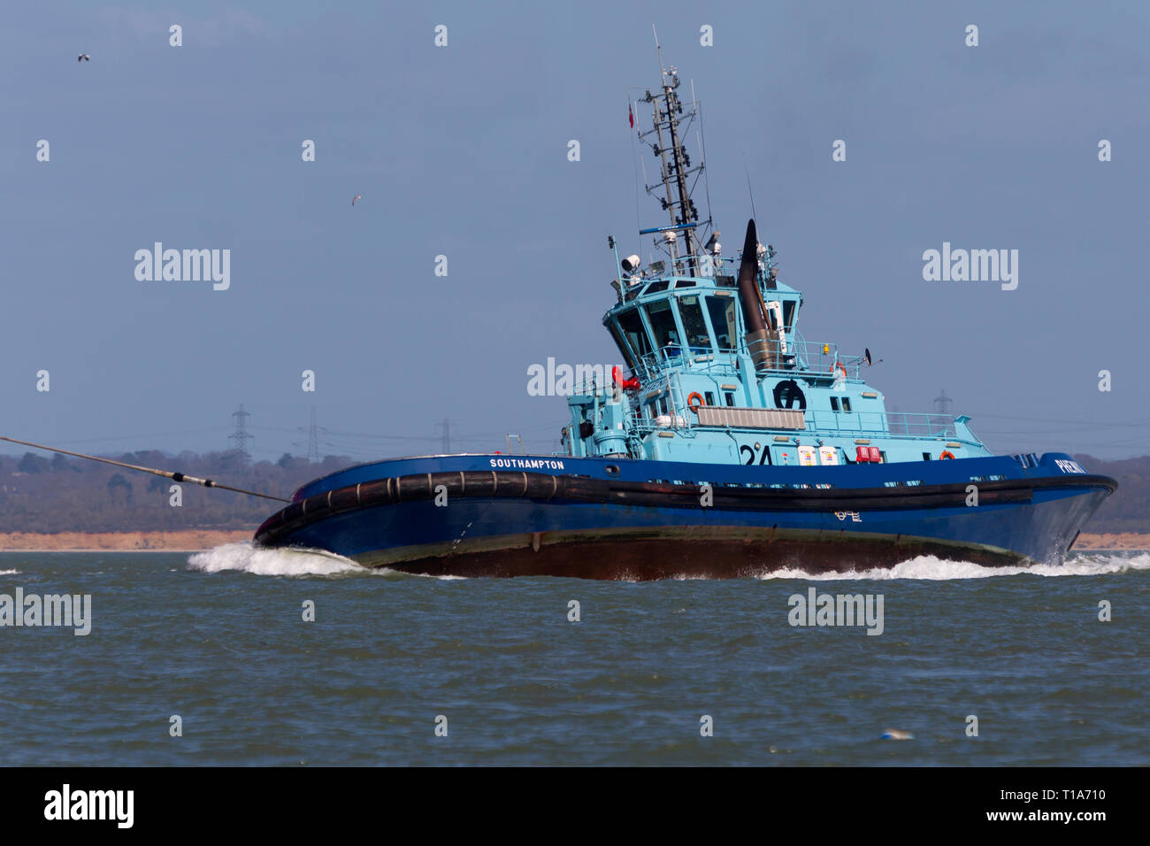 Tractor Tugs Stock Photos & Tractor Tugs Stock Images - Alamy