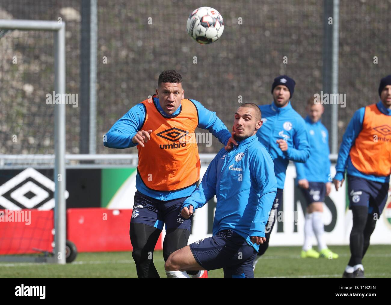firo: 25.03.2019, Football, 2018/2019, 1.Bundesliga: FC Schalke 04 - Training duels Bruma versus Ahmed Kutucu   usage worldwide - Stock Image