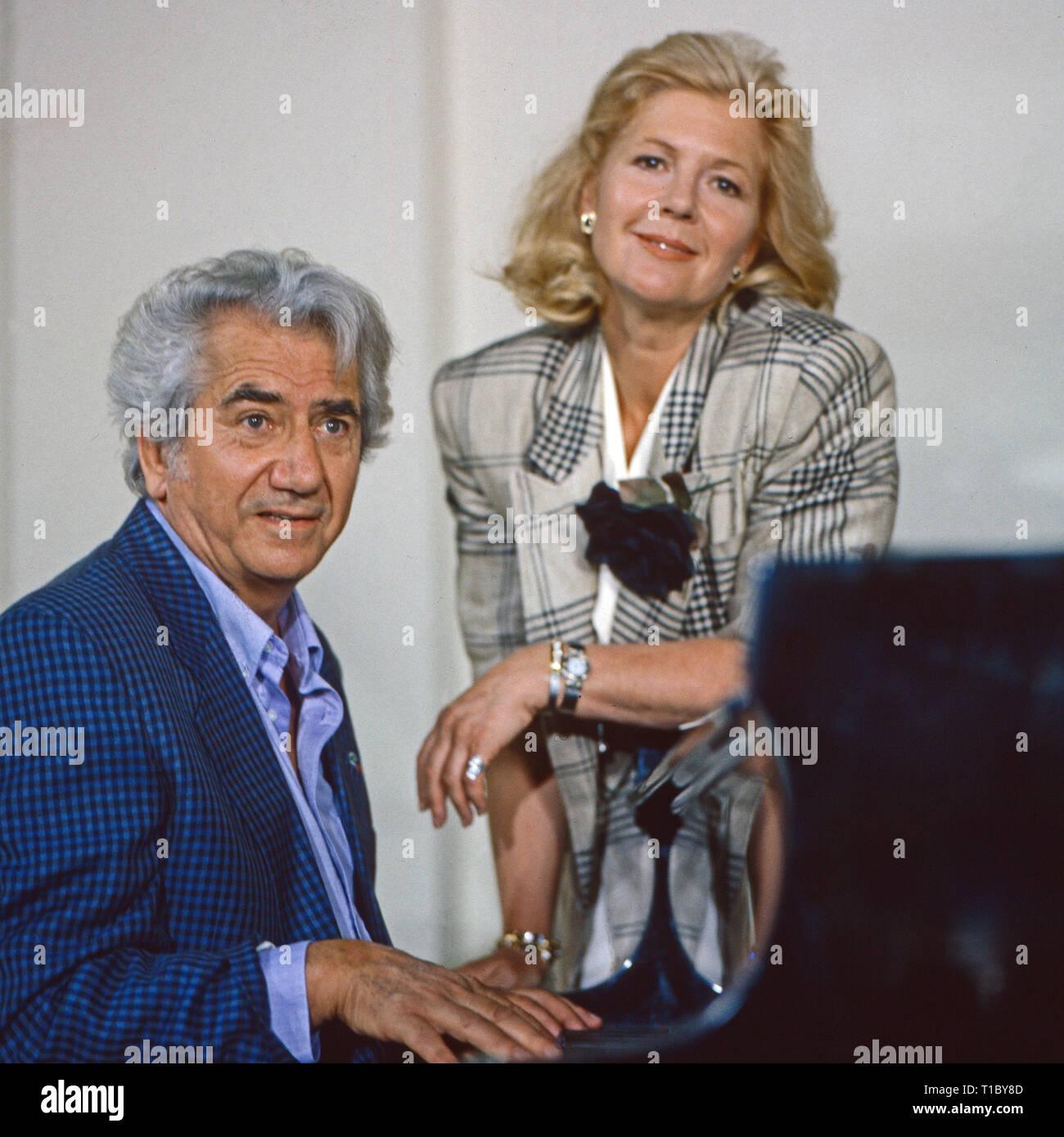 Das Erbe der Guldenburgs, Fernsehserie, Deutschland 1986 - 1988, Folge: 'Der berühmte Gast', Darsteller: Daniel Gelin, Christiane Hörbiger - Stock Image