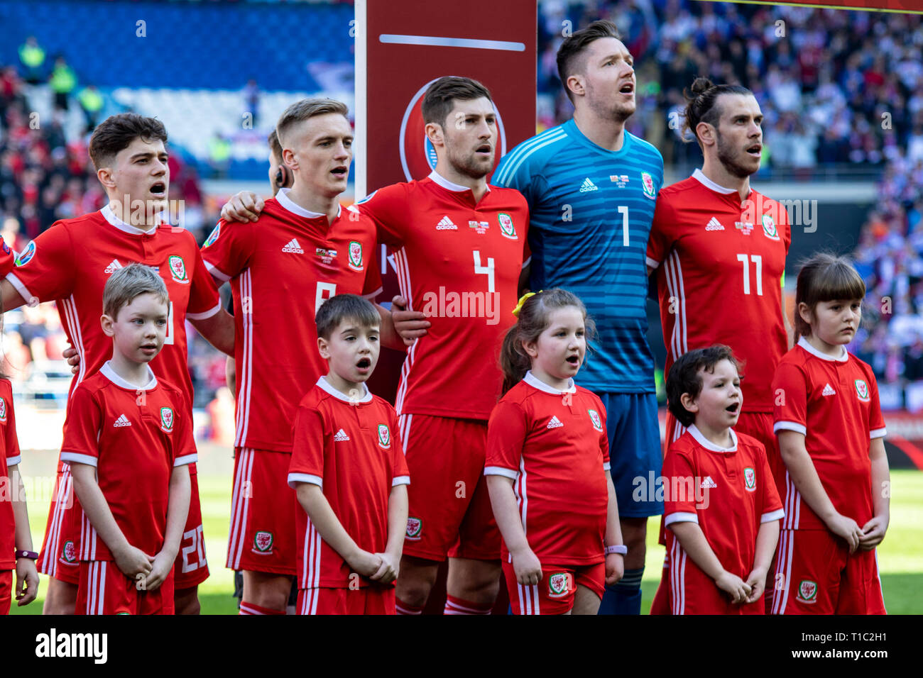 Dan James, Matt Smith, Ben Davies, Wayne Hennessey & Gareth Bale lineup for the national anthem. Wales v Slovakia UEFA Euro 2020 Qualifier in Cardiff. - Stock Image
