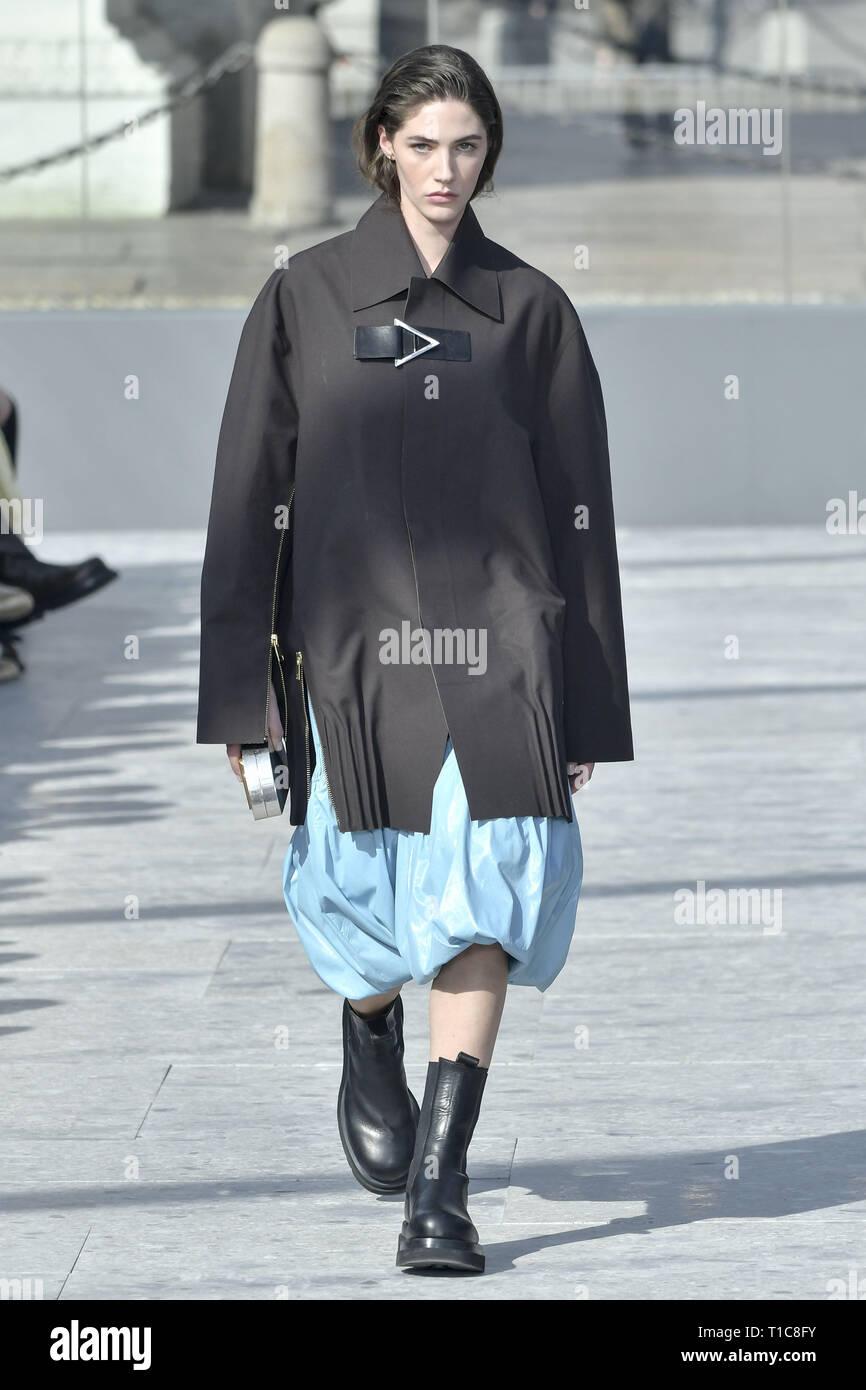 outlet online later fresh styles Milan Fashion Week Autumn/Winter 2019/2020 - Bottega Veneta ...