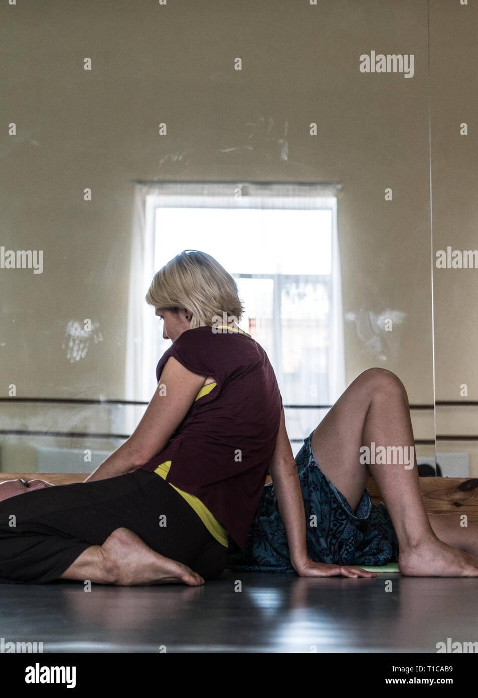 Somatic, bodywork, massage, somatic therapy, dance movement therapy, BMC, Feldenkrais method, freedom dance, ecstatic, free dance, Ci, touch - Stock Image